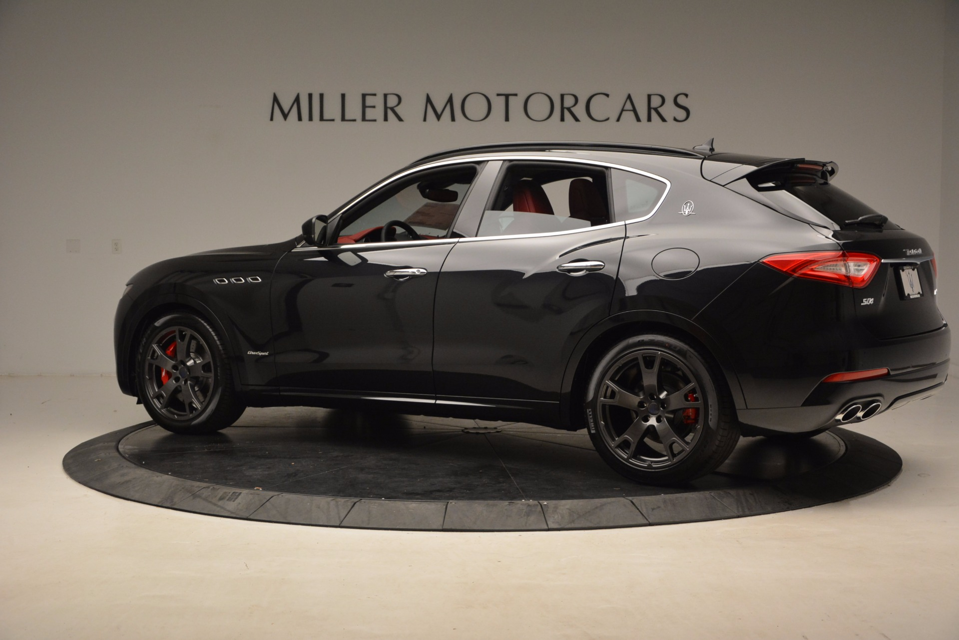 New 2018 Maserati Levante Q4 GranSport For Sale In Greenwich, CT. Alfa Romeo of Greenwich, M1929 1577_p4