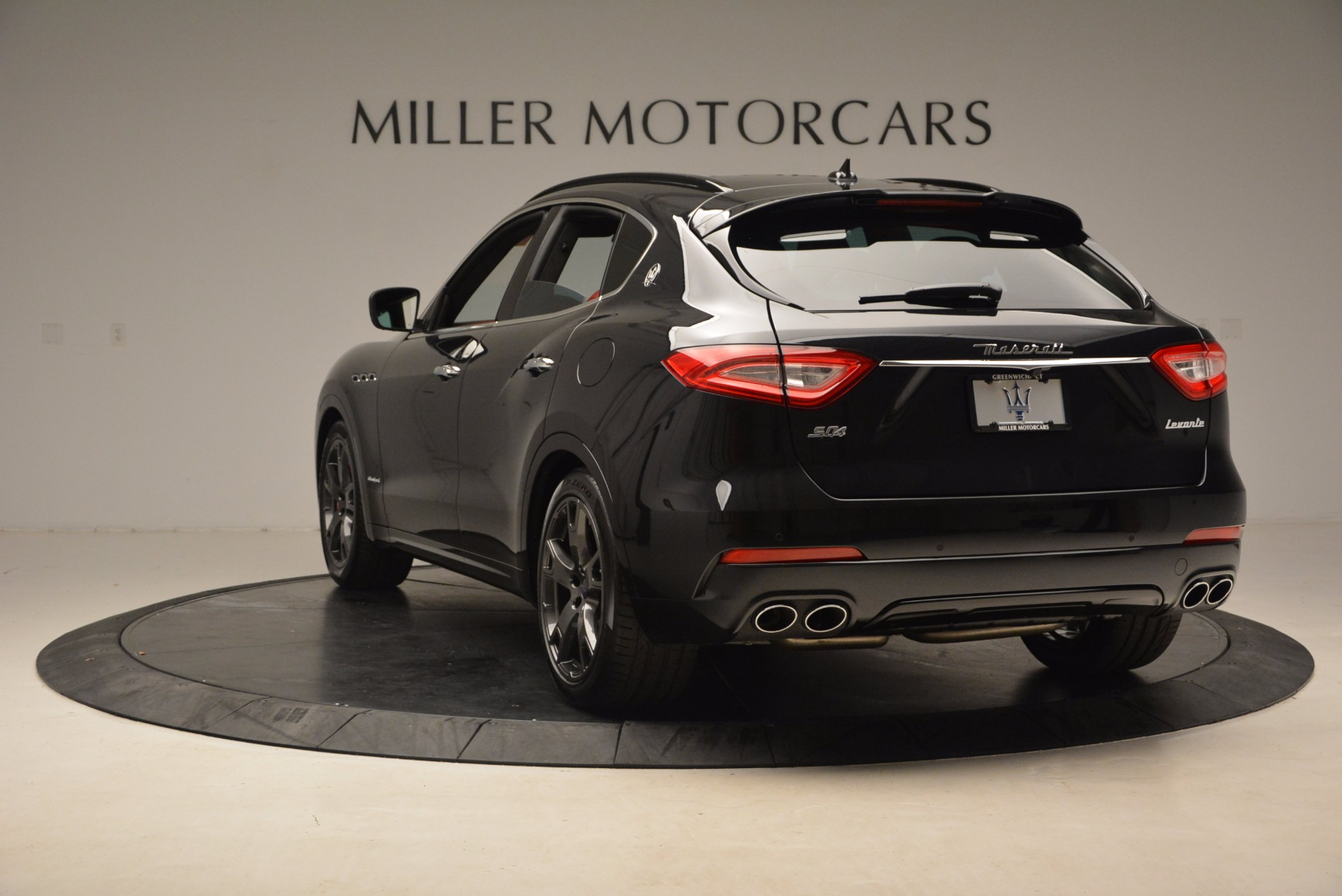 New 2018 Maserati Levante Q4 GranSport For Sale In Greenwich, CT. Alfa Romeo of Greenwich, M1929 1577_p5