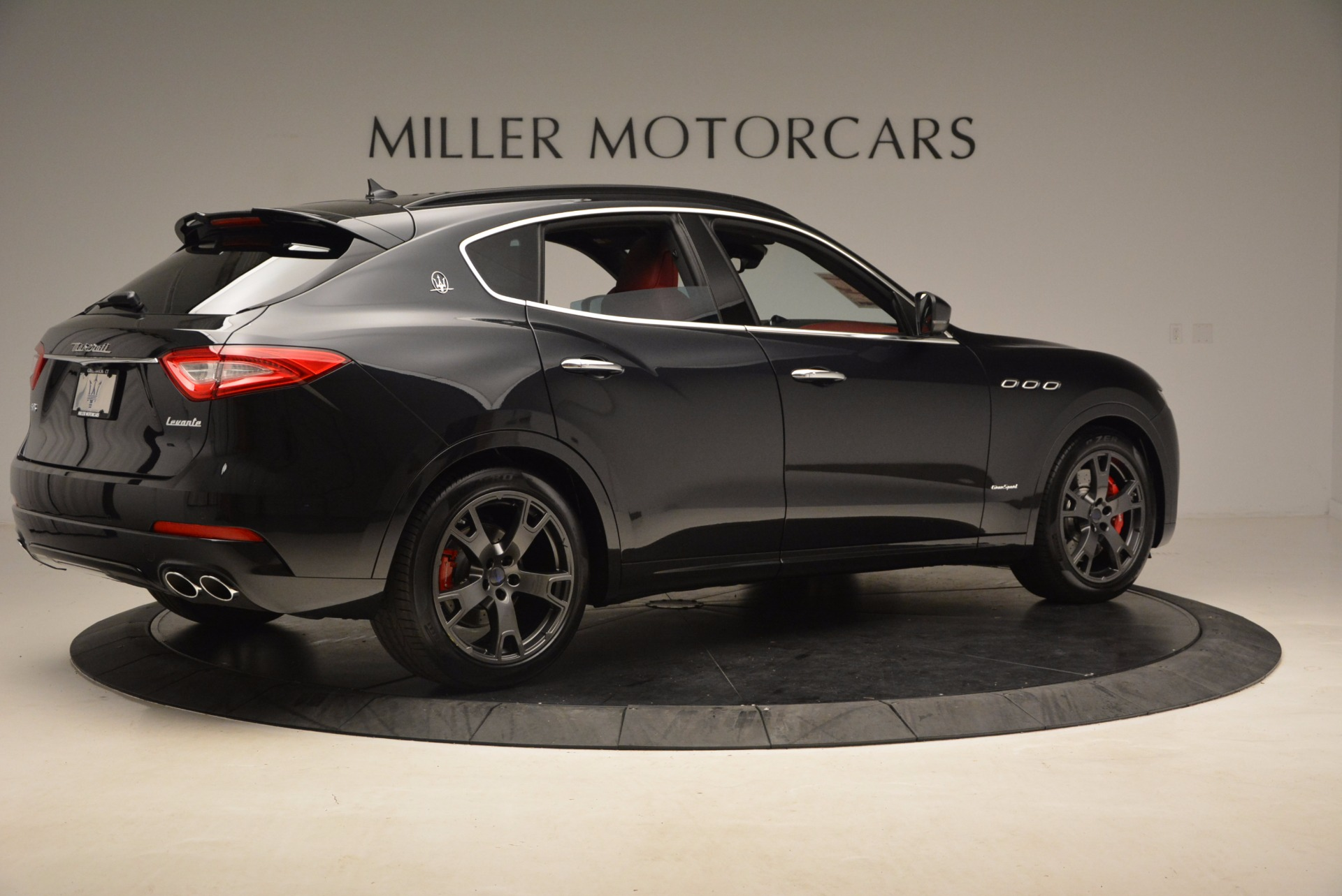 New 2018 Maserati Levante Q4 GranSport For Sale In Greenwich, CT. Alfa Romeo of Greenwich, M1929 1577_p8