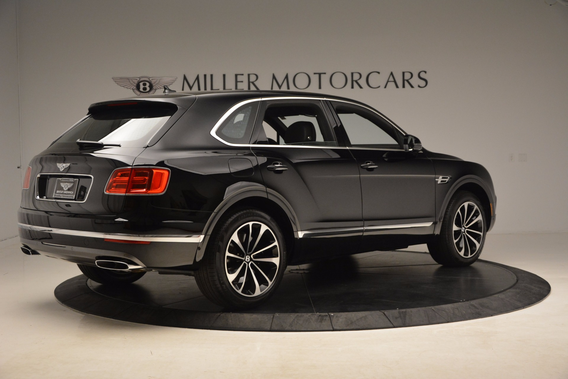 New 2018 Bentley Bentayga Onyx For Sale In Greenwich, CT. Alfa Romeo of Greenwich, B1298 1579_p10