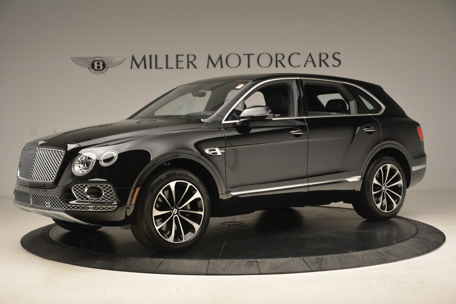 New 2018 Bentley Bentayga Onyx For Sale In Greenwich, CT. Alfa Romeo of Greenwich, B1298 1579_p3