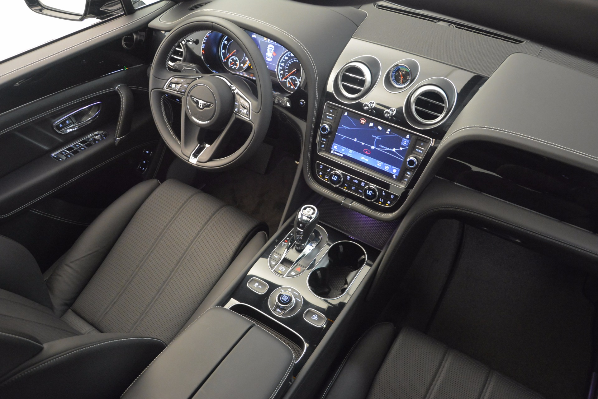 New 2018 Bentley Bentayga Onyx For Sale In Greenwich, CT. Alfa Romeo of Greenwich, B1298 1579_p46