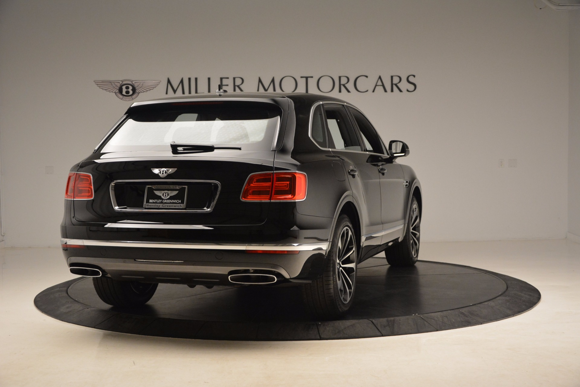New 2018 Bentley Bentayga Onyx For Sale In Greenwich, CT. Alfa Romeo of Greenwich, B1298 1579_p8