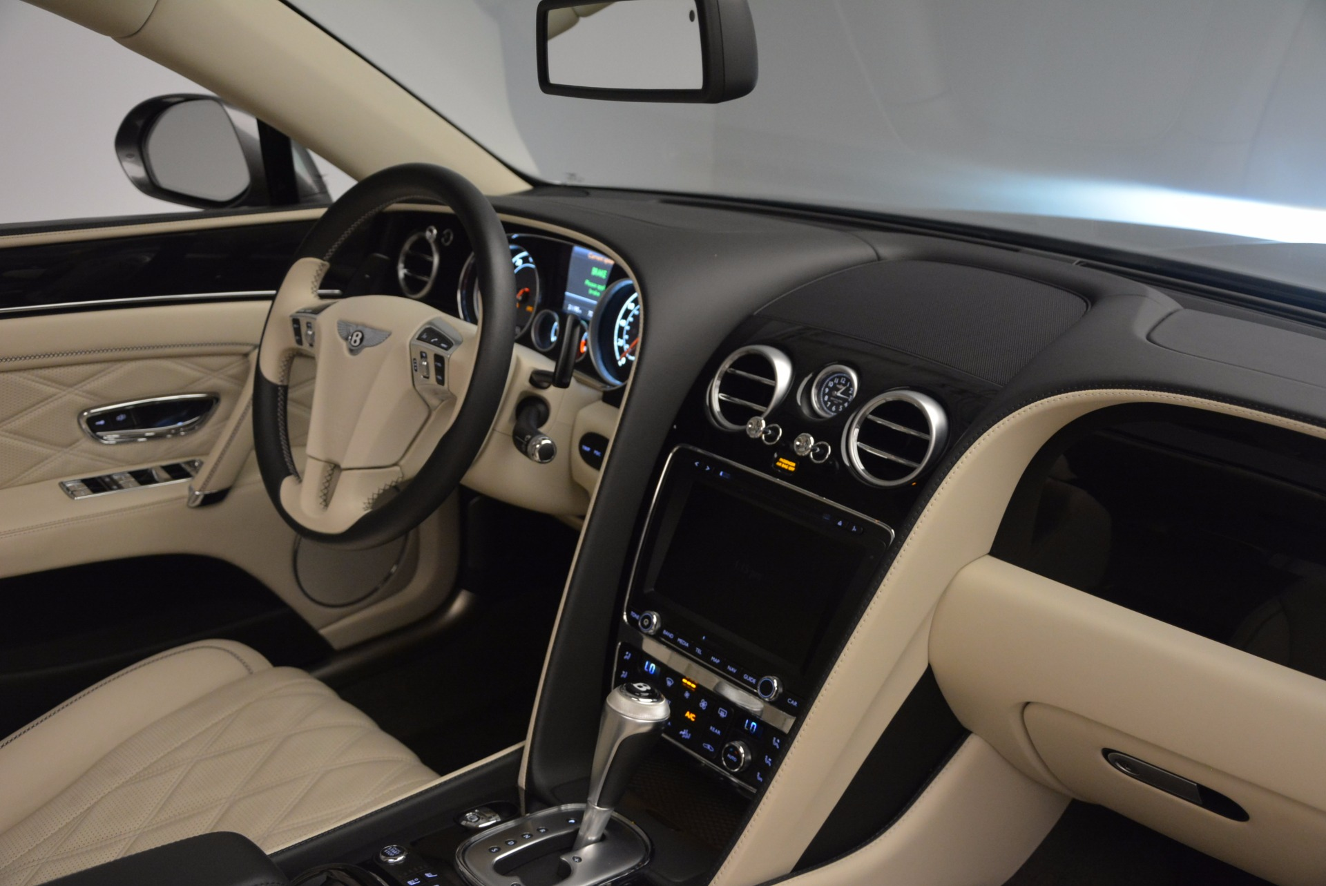 Used 2015 Bentley Flying Spur W12 For Sale In Greenwich, CT. Alfa Romeo of Greenwich, 7280 1582_p42