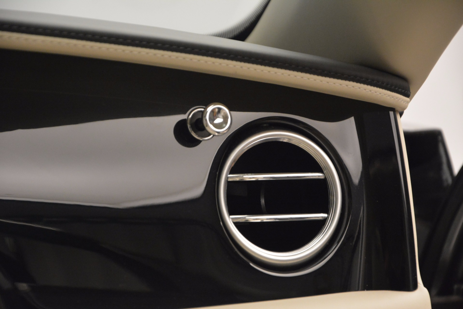 Used 2015 Bentley Flying Spur W12 For Sale In Greenwich, CT. Alfa Romeo of Greenwich, 7280 1582_p48