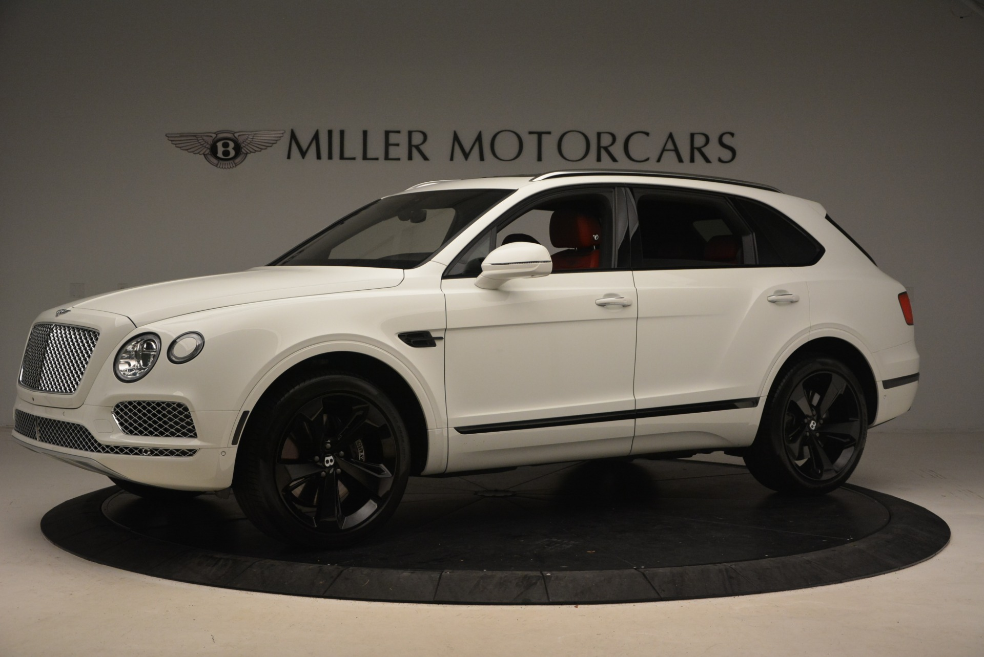 Used 2018 Bentley Bentayga Signature For Sale In Greenwich, CT. Alfa Romeo of Greenwich, 7292 1585_p2