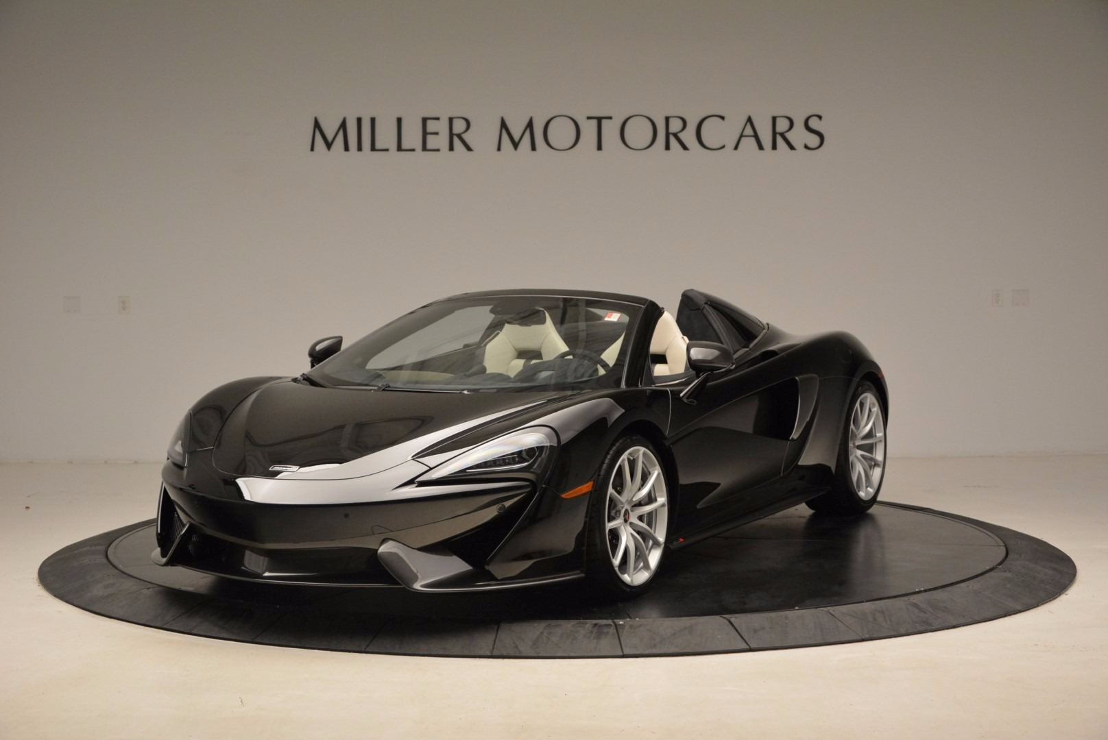 New 2018 McLaren 570S Spider  For Sale In Greenwich, CT. Alfa Romeo of Greenwich, MC317