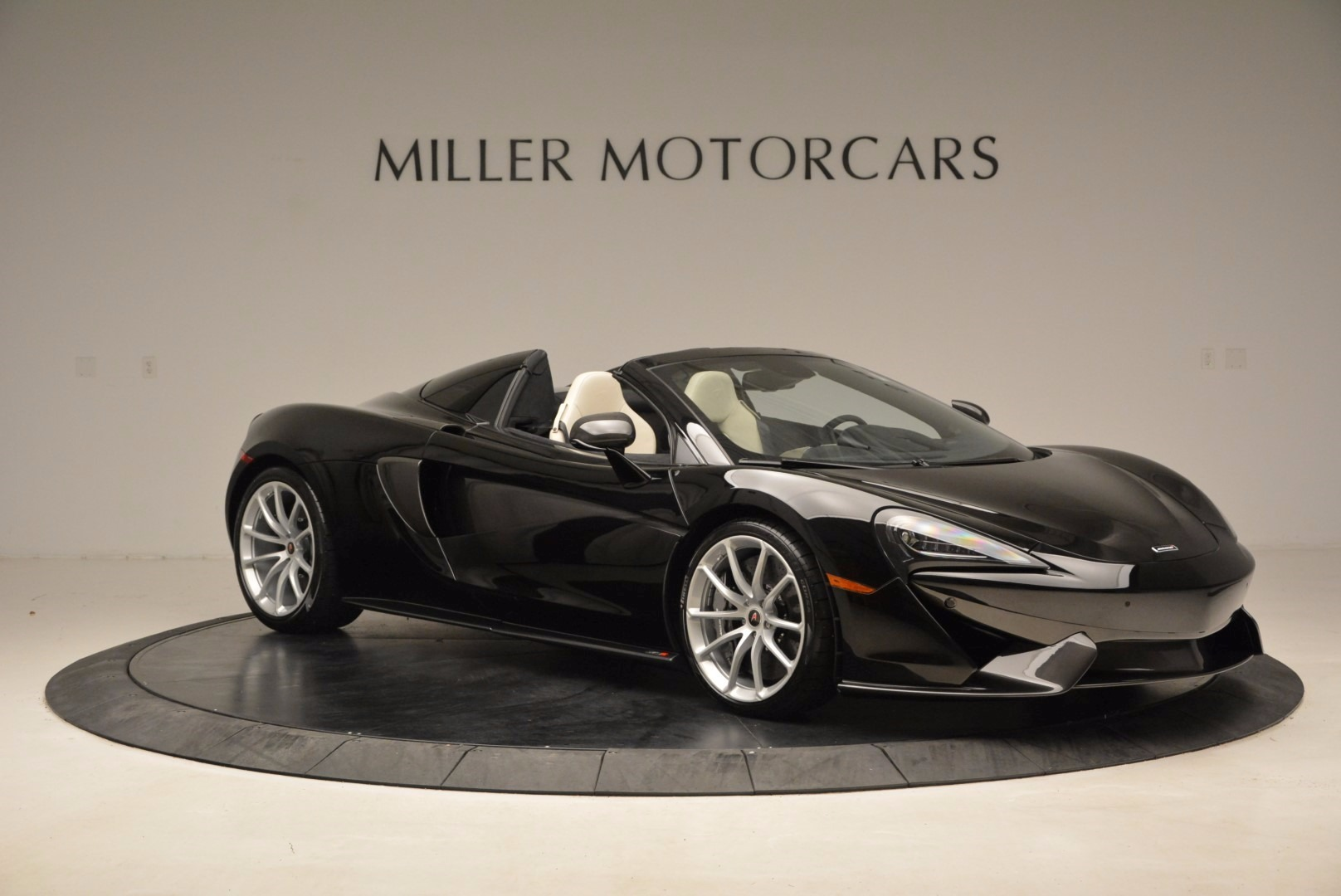 New 2018 McLaren 570S Spider  For Sale In Greenwich, CT. Alfa Romeo of Greenwich, MC317 1595_p10
