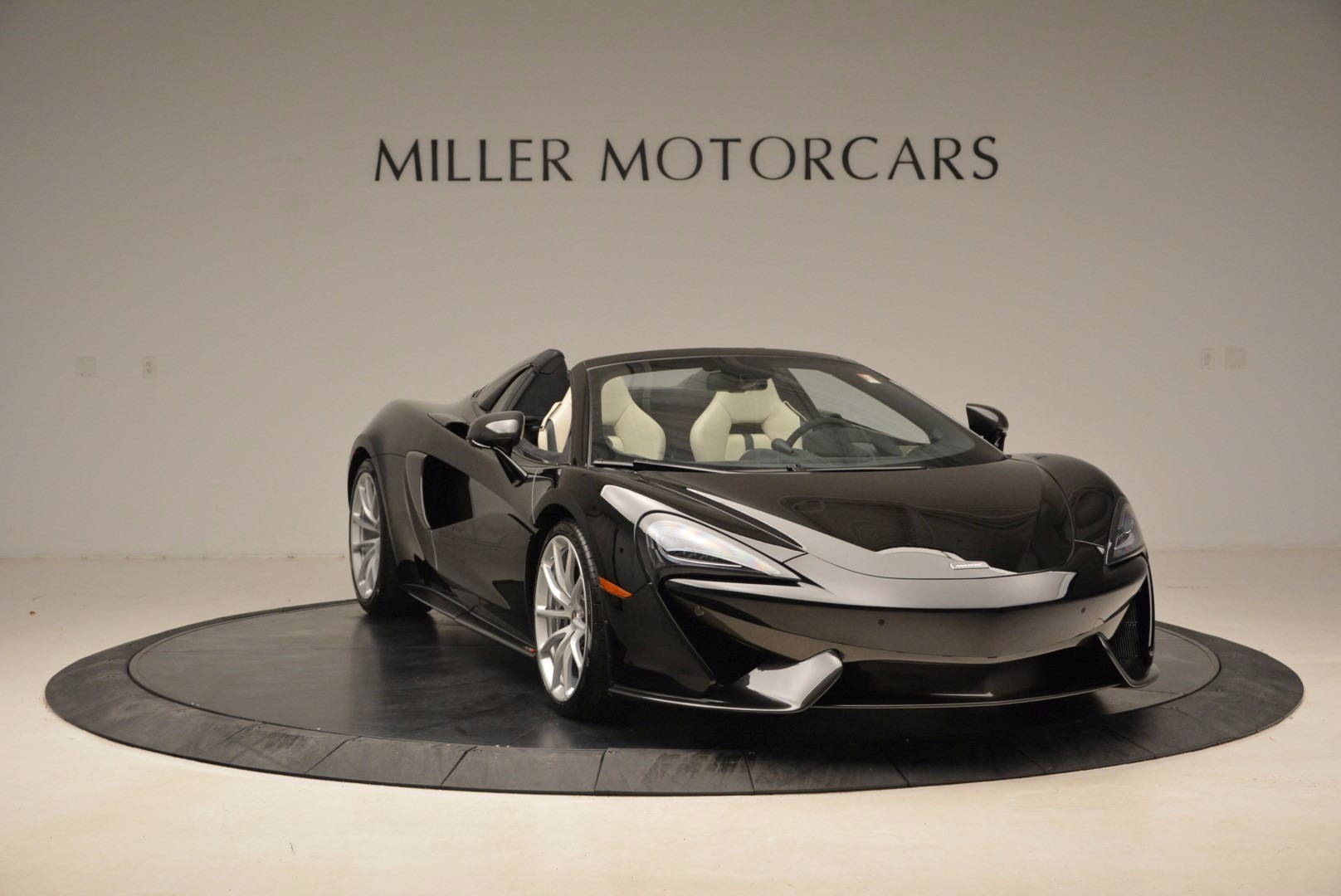 New 2018 McLaren 570S Spider  For Sale In Greenwich, CT. Alfa Romeo of Greenwich, MC317 1595_p11