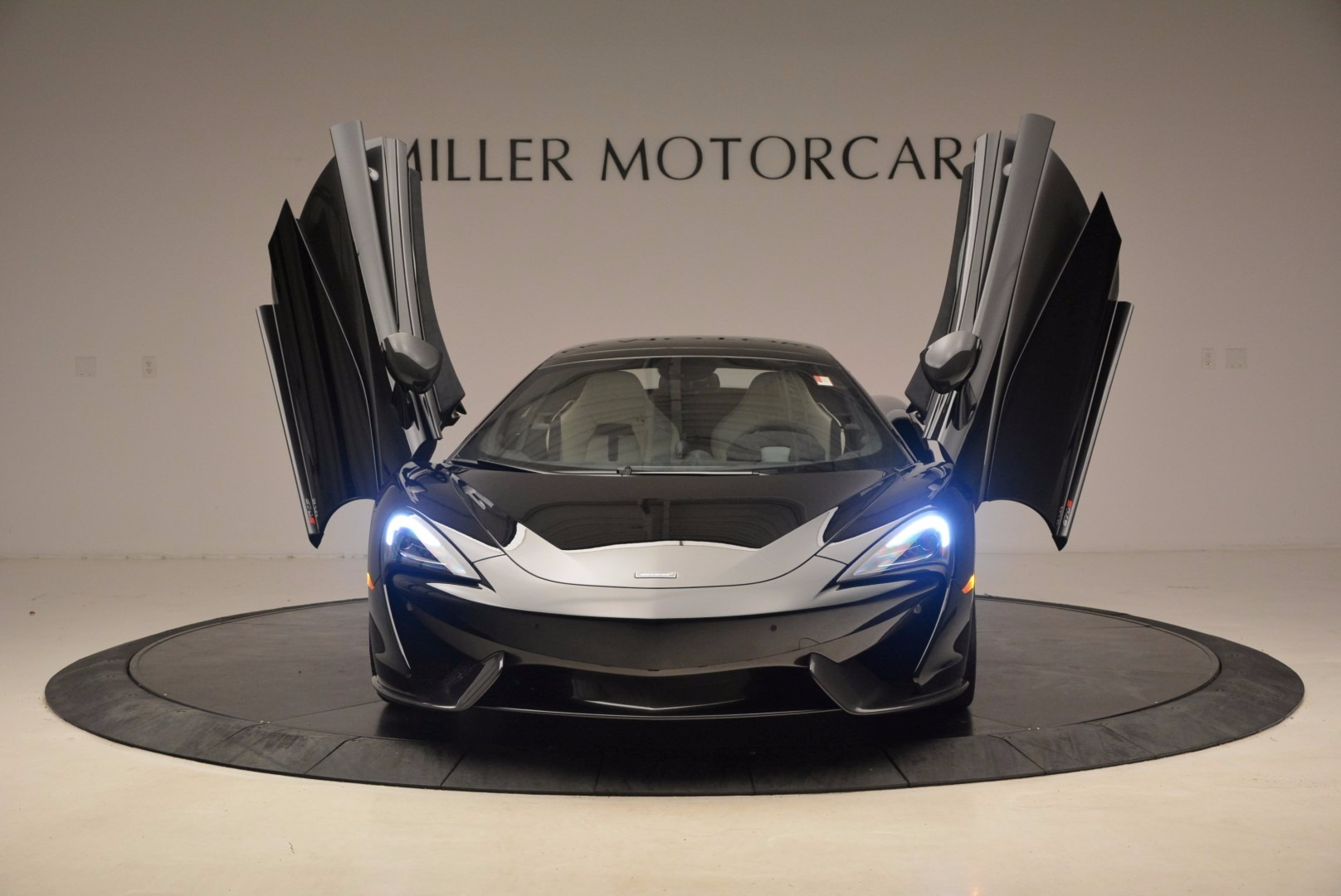 New 2018 McLaren 570S Spider  For Sale In Greenwich, CT. Alfa Romeo of Greenwich, MC317 1595_p13