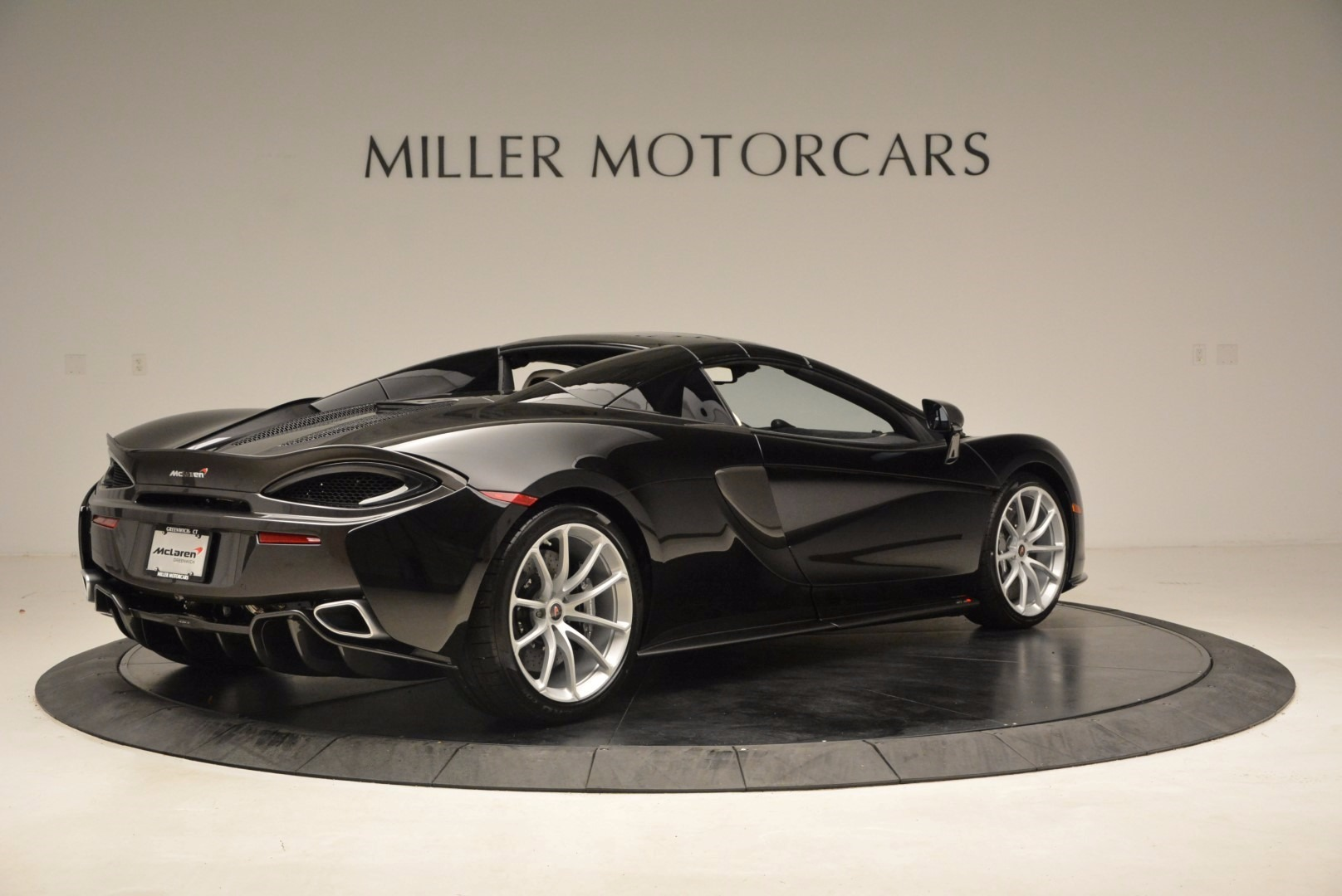 New 2018 McLaren 570S Spider  For Sale In Greenwich, CT. Alfa Romeo of Greenwich, MC317 1595_p19