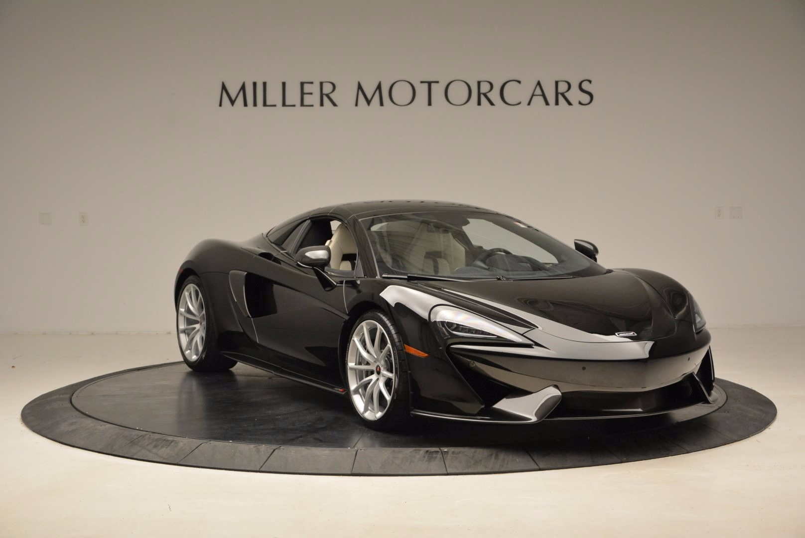 New 2018 McLaren 570S Spider  For Sale In Greenwich, CT. Alfa Romeo of Greenwich, MC317 1595_p21