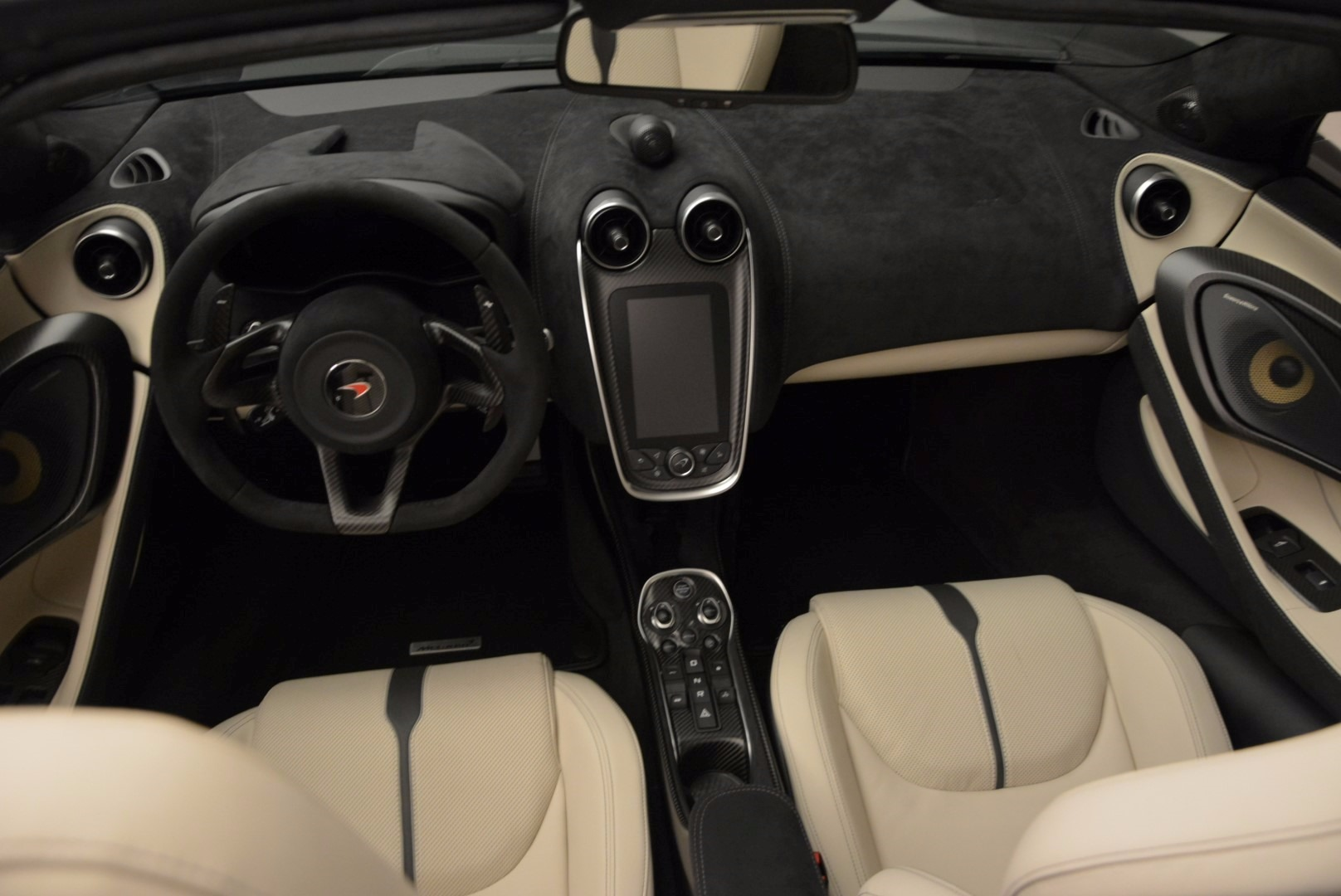 New 2018 McLaren 570S Spider  For Sale In Greenwich, CT. Alfa Romeo of Greenwich, MC317 1595_p24