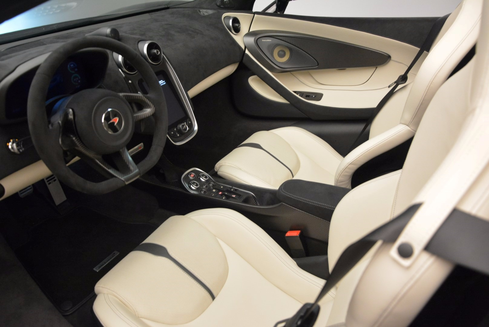 New 2018 McLaren 570S Spider  For Sale In Greenwich, CT. Alfa Romeo of Greenwich, MC317 1595_p25