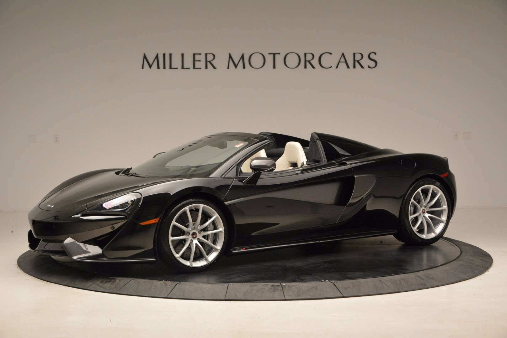 New 2018 McLaren 570S Spider  For Sale In Greenwich, CT. Alfa Romeo of Greenwich, MC317 1595_p2