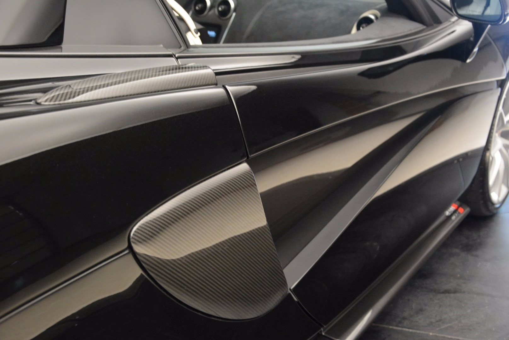 New 2018 McLaren 570S Spider  For Sale In Greenwich, CT. Alfa Romeo of Greenwich, MC317 1595_p32