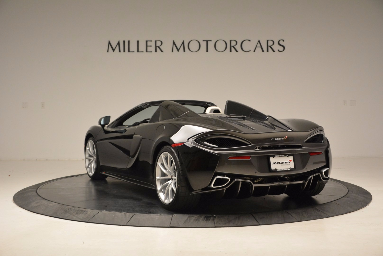 New 2018 McLaren 570S Spider  For Sale In Greenwich, CT. Alfa Romeo of Greenwich, MC317 1595_p5