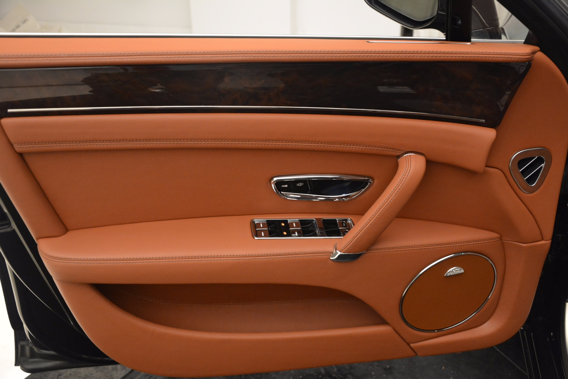Used 2014 Bentley Flying Spur W12 For Sale In Greenwich, CT. Alfa Romeo of Greenwich, 4359A 1598_p25