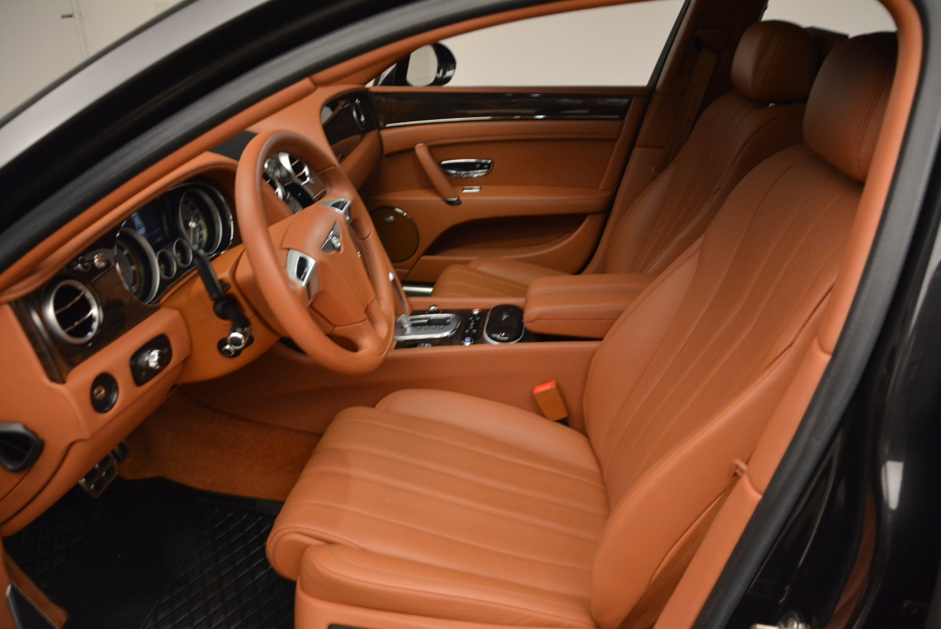 Used 2014 Bentley Flying Spur W12 For Sale In Greenwich, CT. Alfa Romeo of Greenwich, 4359A 1598_p27