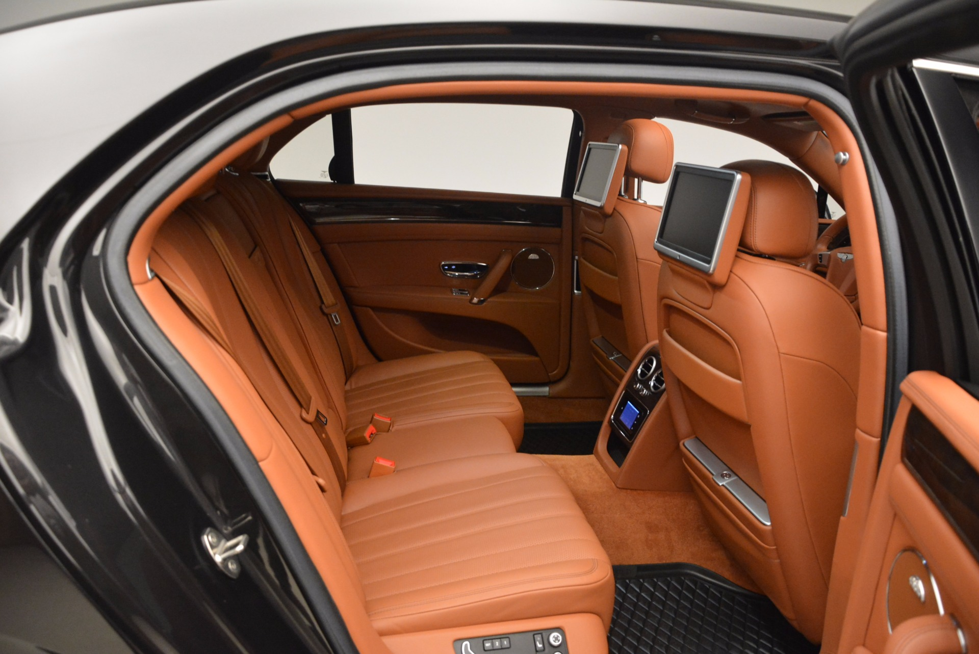 Used 2014 Bentley Flying Spur W12 For Sale In Greenwich, CT. Alfa Romeo of Greenwich, 4359A 1598_p35