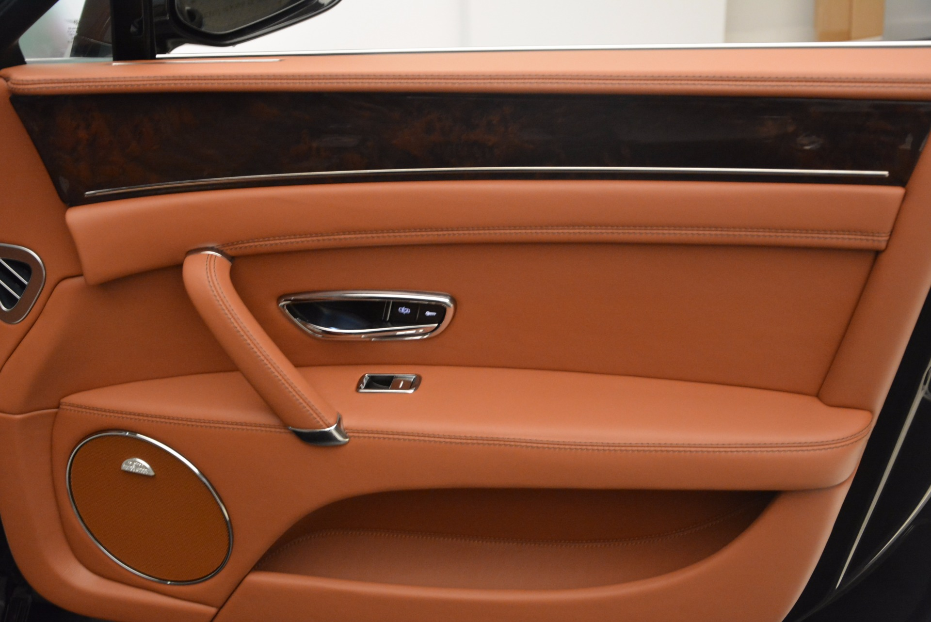 Used 2014 Bentley Flying Spur W12 For Sale In Greenwich, CT. Alfa Romeo of Greenwich, 4359A 1598_p38