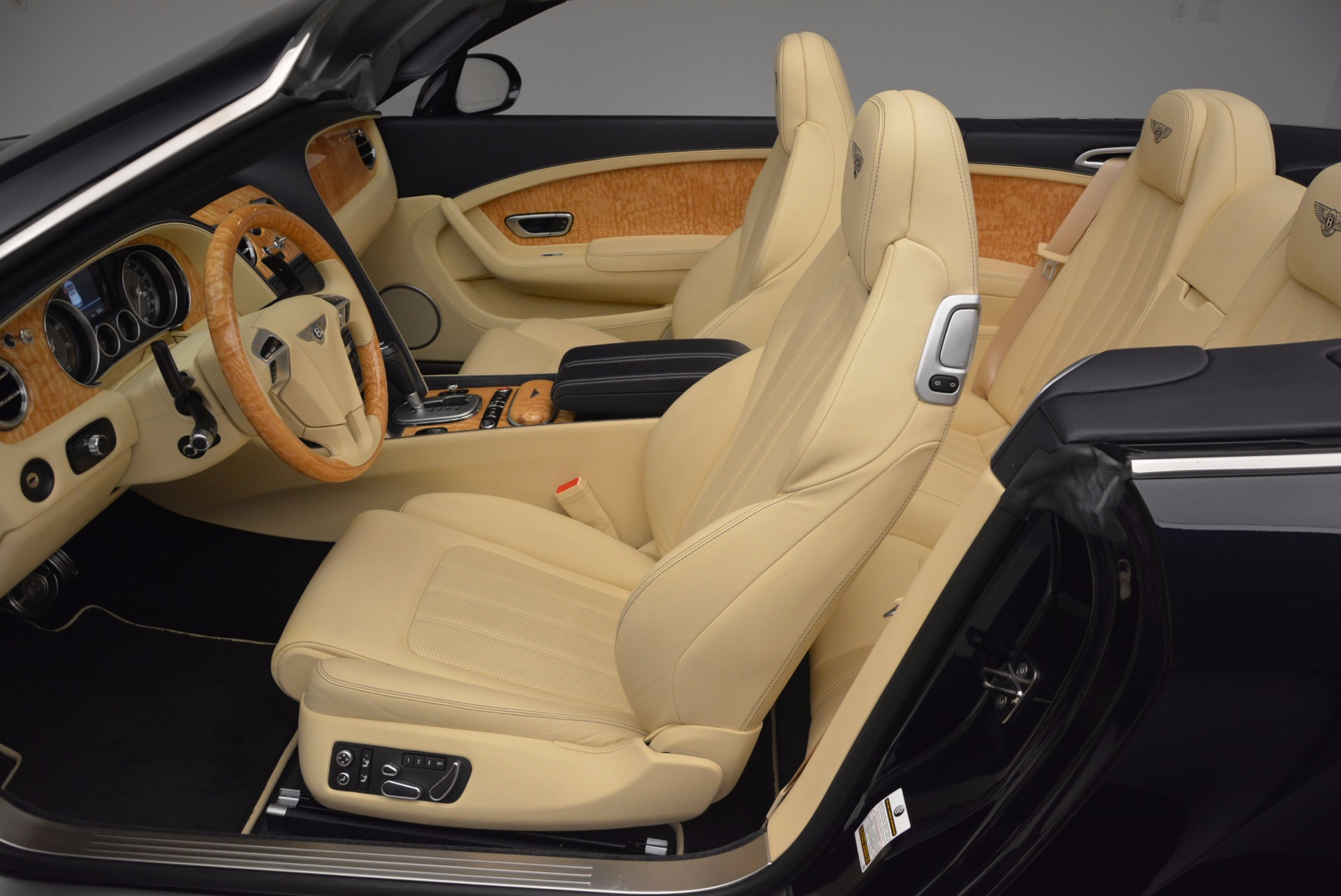 Used 2012 Bentley Continental GTC  For Sale In Greenwich, CT. Alfa Romeo of Greenwich, 7010 16_p34