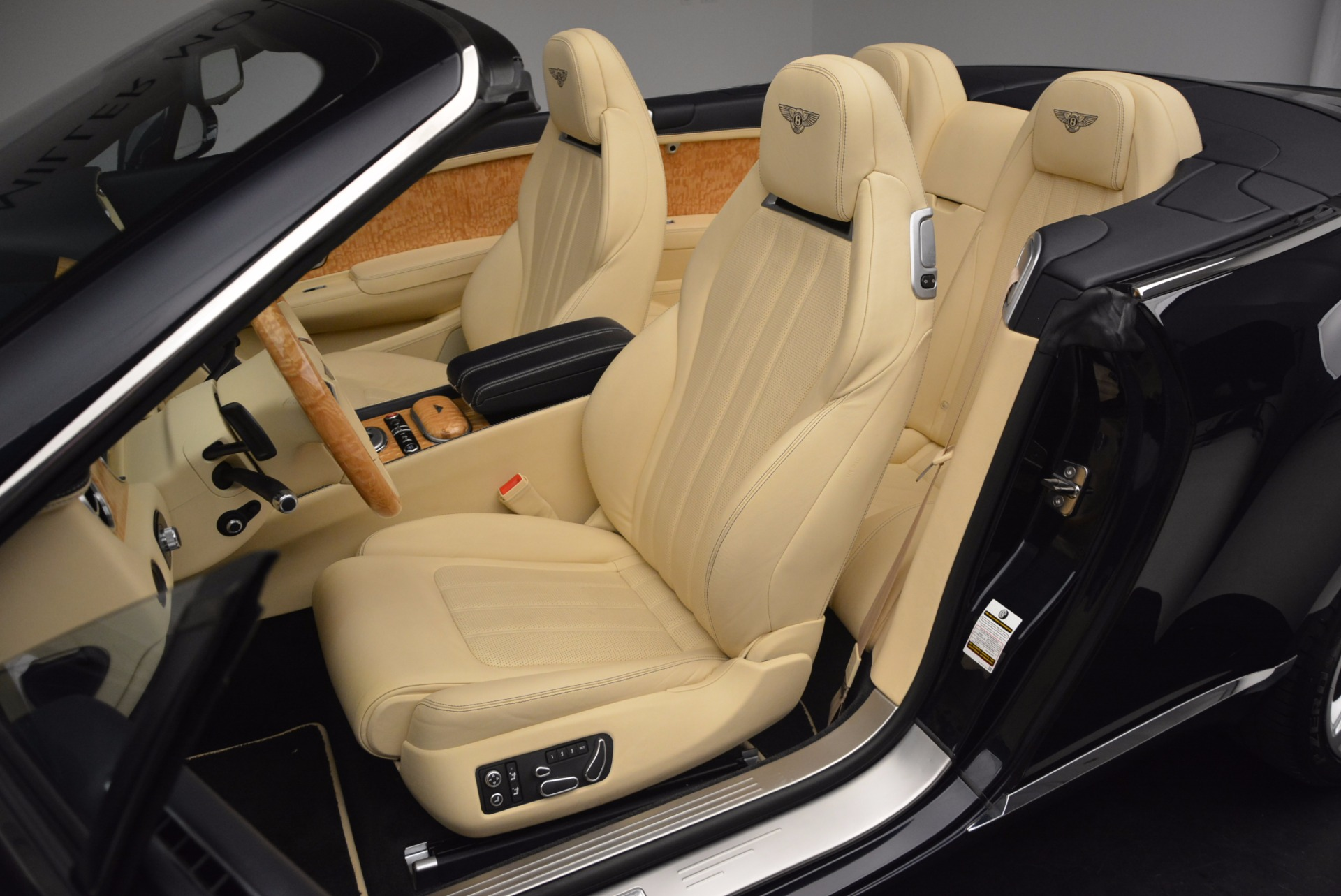 Used 2012 Bentley Continental GTC  For Sale In Greenwich, CT. Alfa Romeo of Greenwich, 7010 16_p35