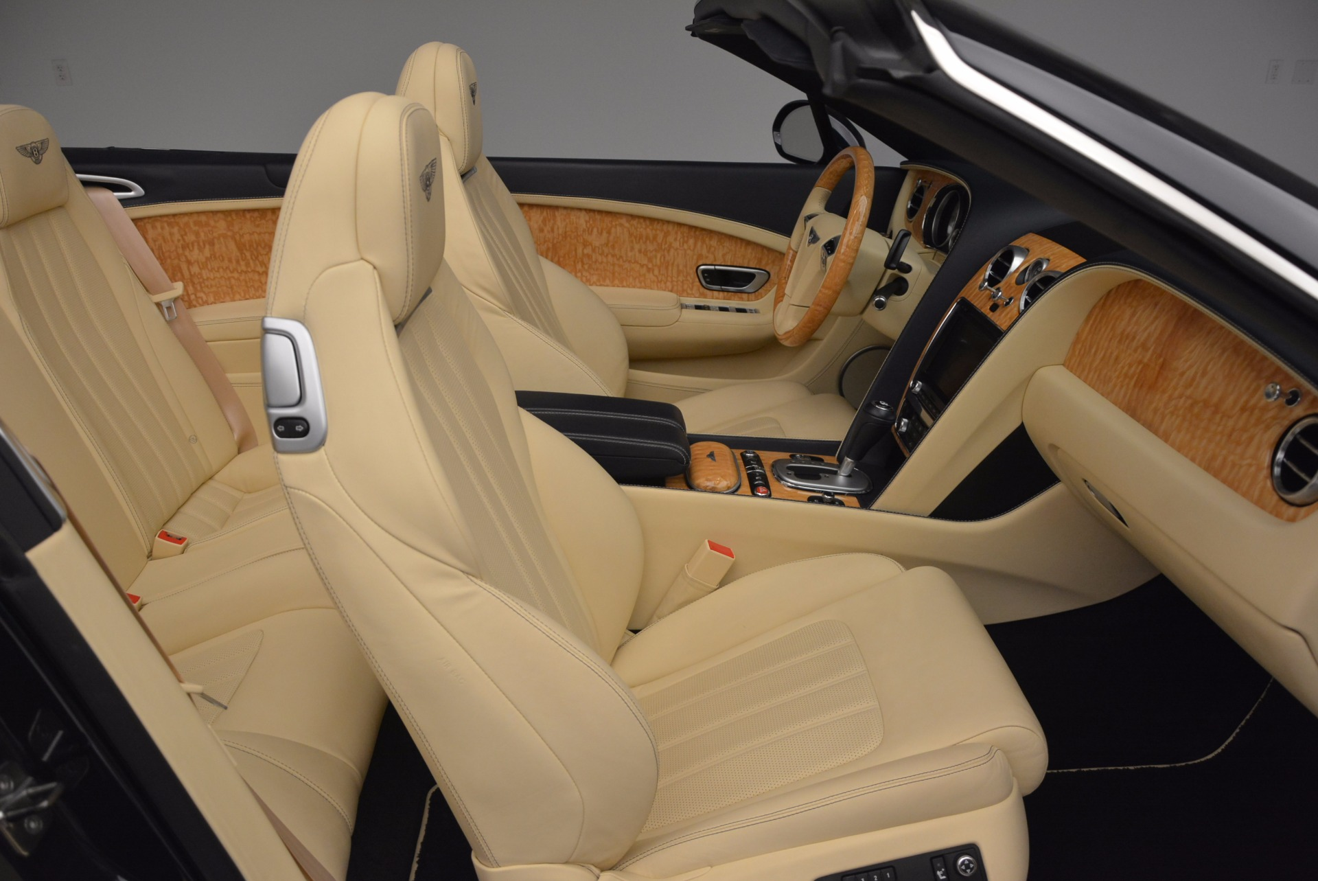 Used 2012 Bentley Continental GTC  For Sale In Greenwich, CT. Alfa Romeo of Greenwich, 7010 16_p46