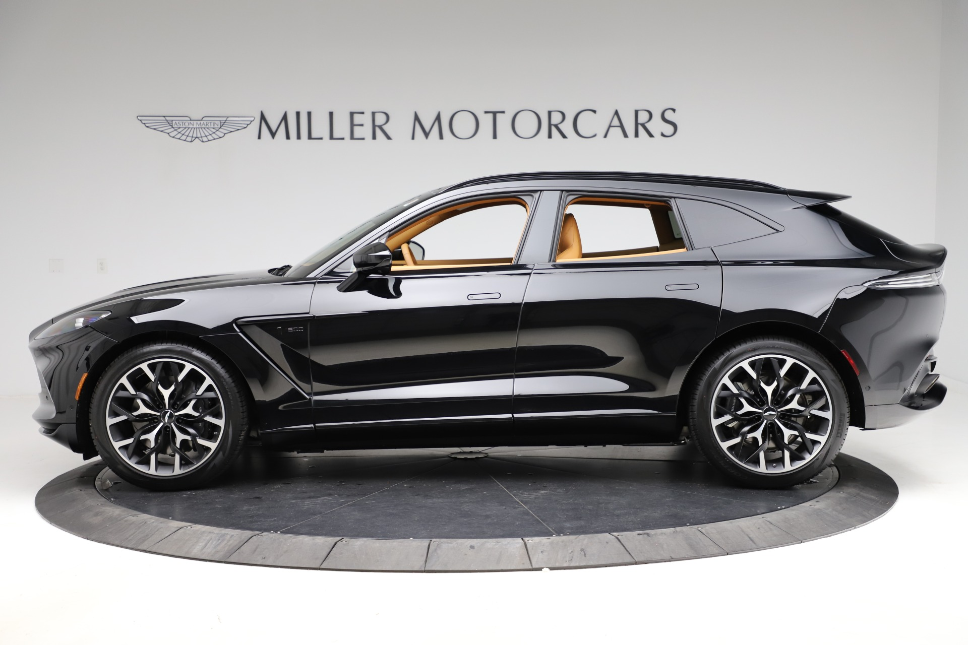New 2020 Aston Martin DBX  For Sale In Greenwich, CT. Alfa Romeo of Greenwich, NOW TAKING ORDERS 1602_p2