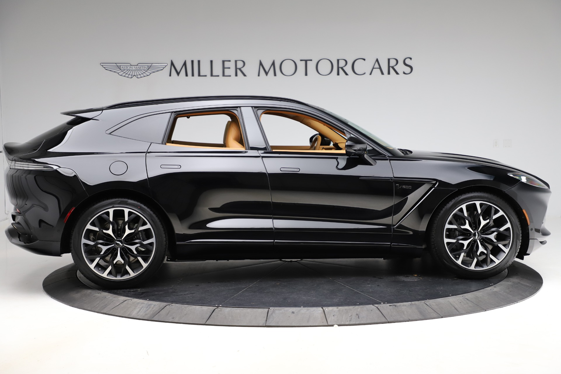 New 2020 Aston Martin DBX  For Sale In Greenwich, CT. Alfa Romeo of Greenwich, NOW TAKING ORDERS 1602_p8