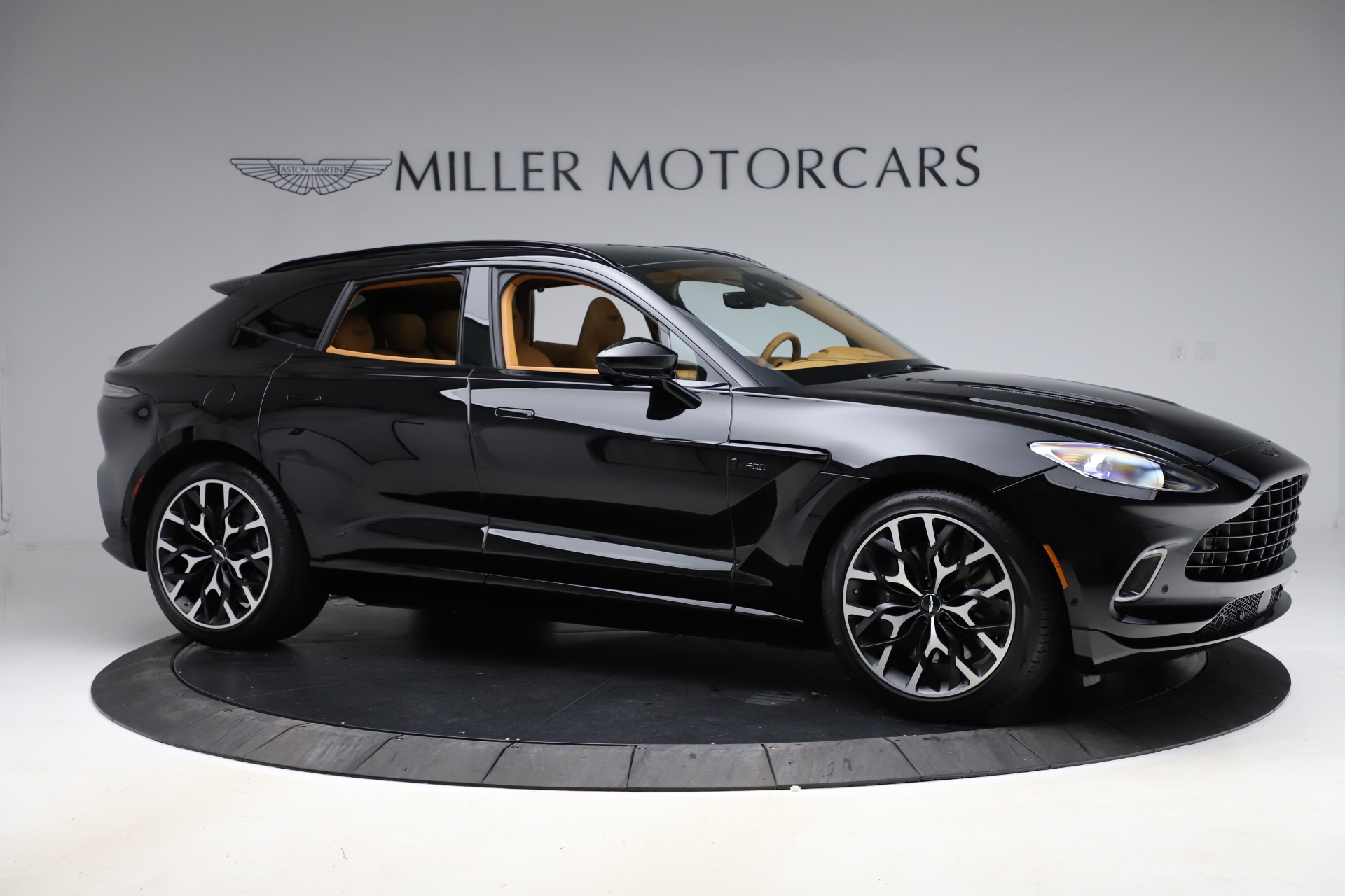 New 2020 Aston Martin DBX  For Sale In Greenwich, CT. Alfa Romeo of Greenwich, NOW TAKING ORDERS 1602_p9