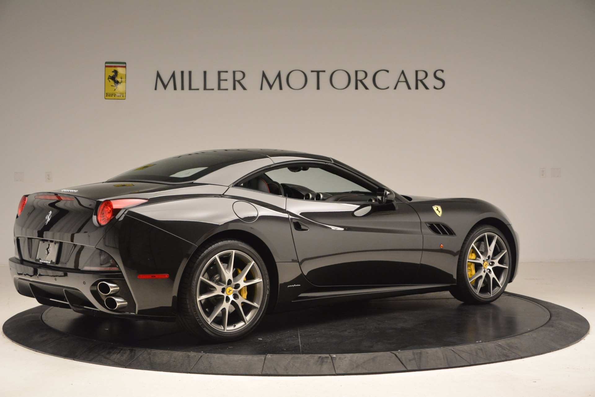 Used 2013 Ferrari California  For Sale In Greenwich, CT. Alfa Romeo of Greenwich, 4416 1603_p20