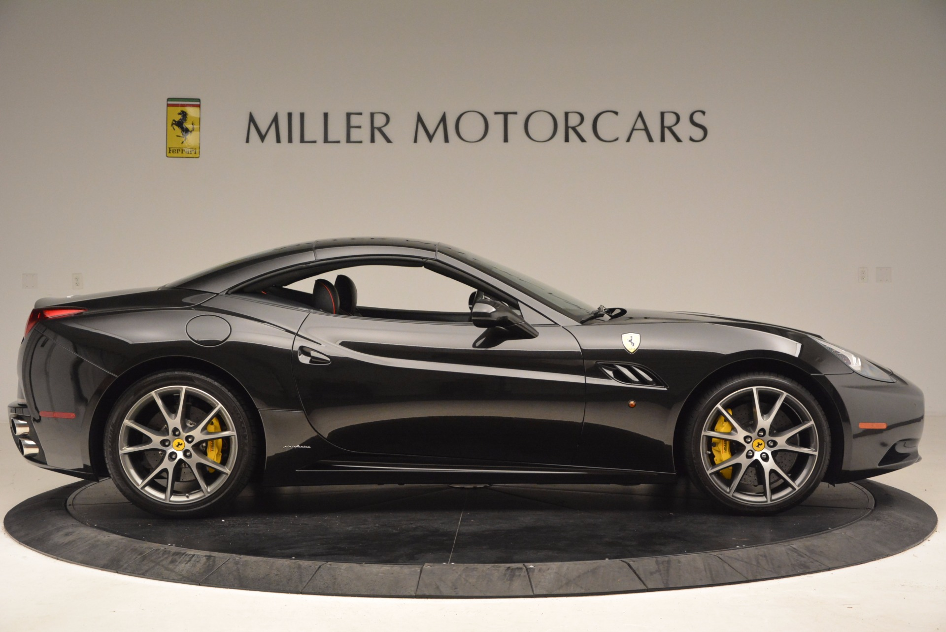 Used 2013 Ferrari California  For Sale In Greenwich, CT. Alfa Romeo of Greenwich, 4416 1603_p21