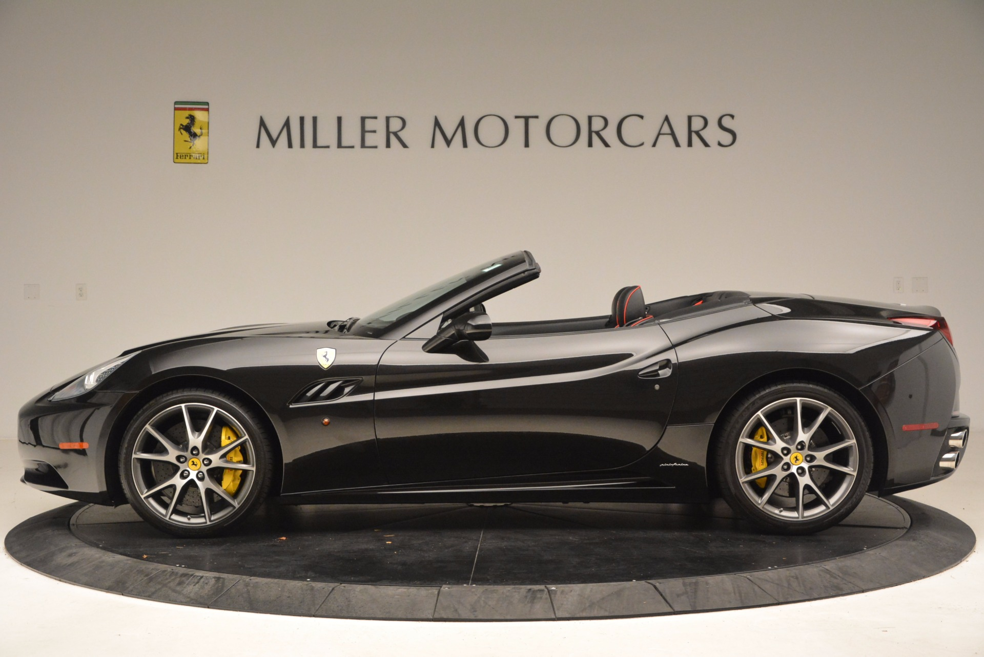 Used 2013 Ferrari California  For Sale In Greenwich, CT. Alfa Romeo of Greenwich, 4416 1603_p3