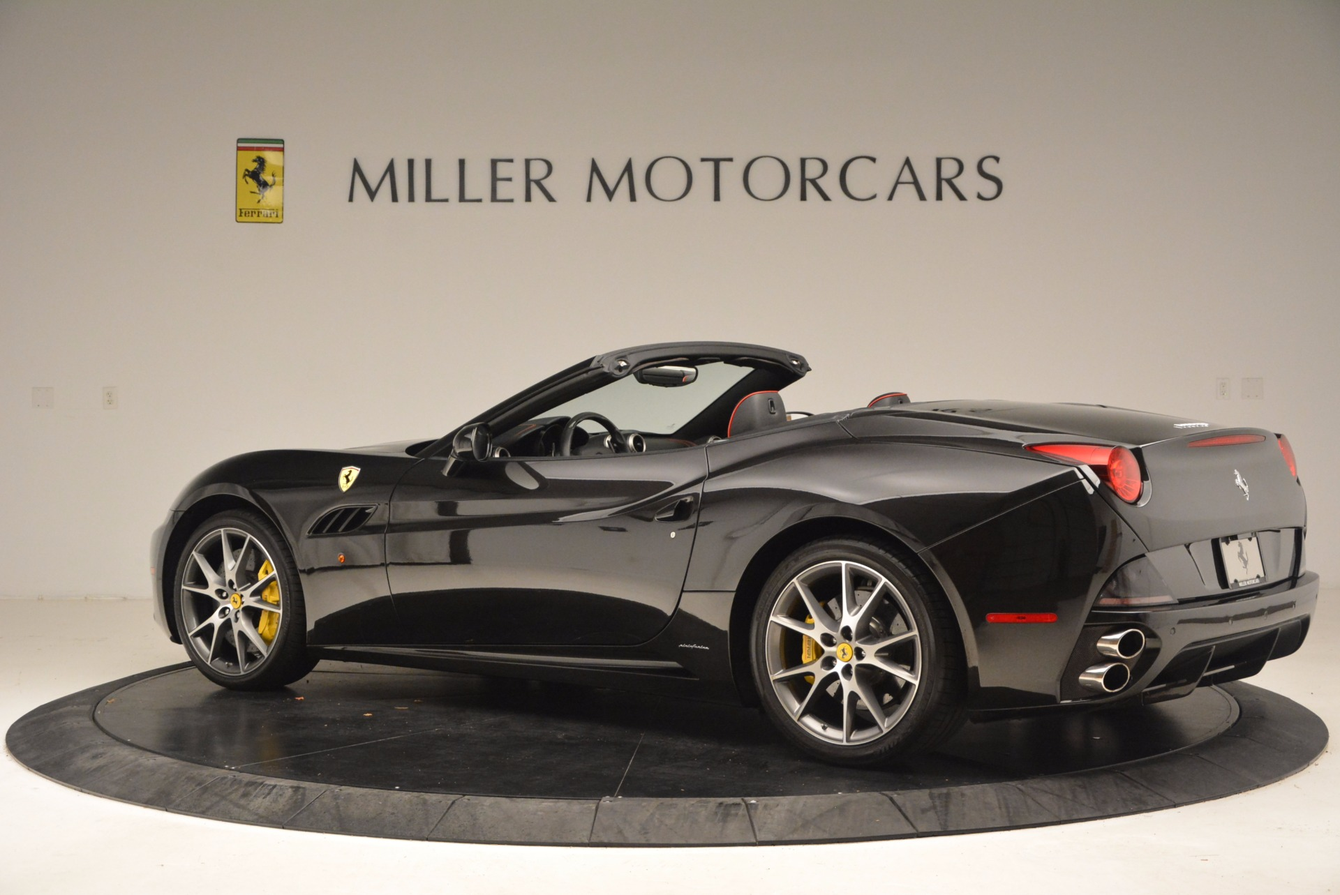 Used 2013 Ferrari California  For Sale In Greenwich, CT. Alfa Romeo of Greenwich, 4416 1603_p4