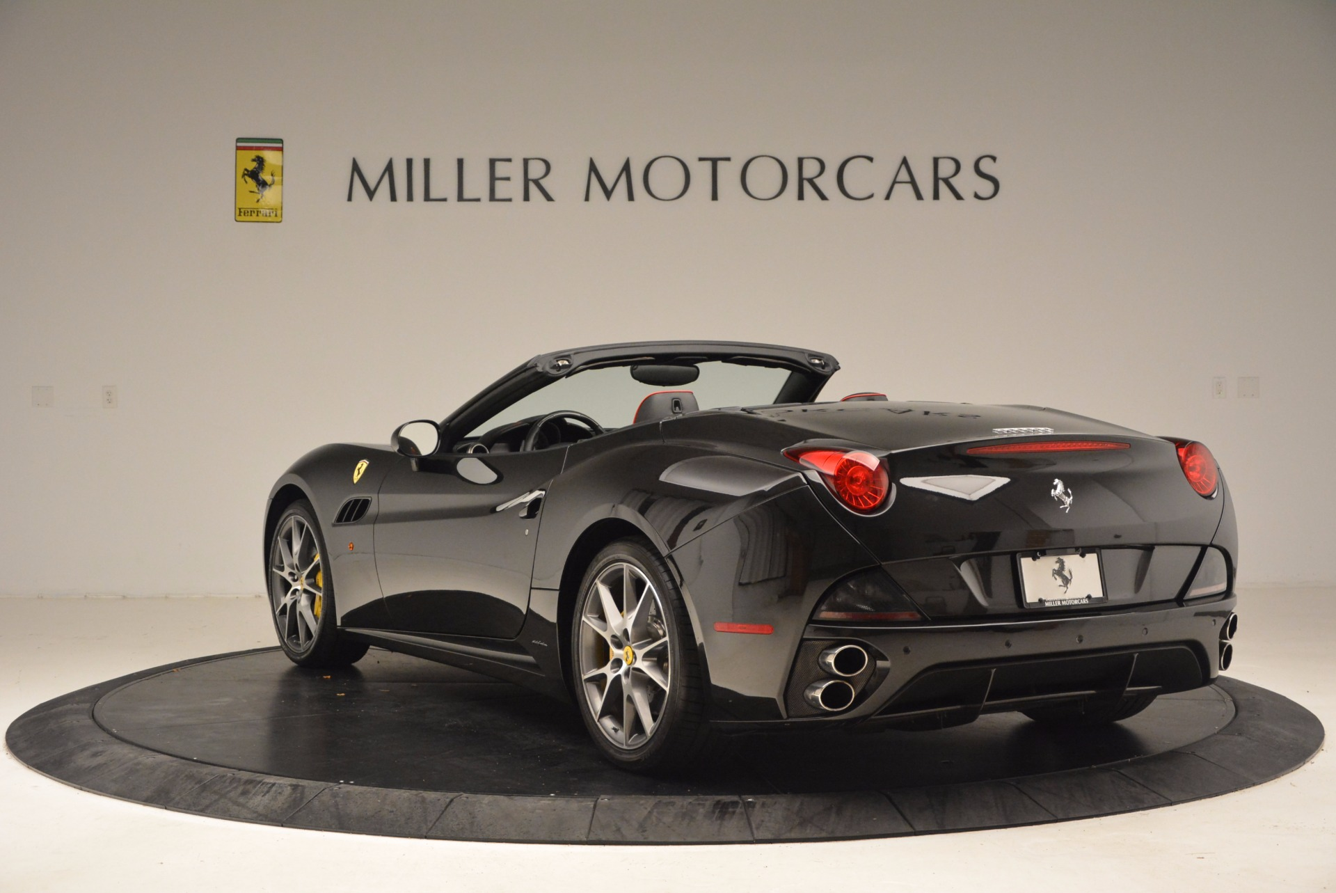 Used 2013 Ferrari California  For Sale In Greenwich, CT. Alfa Romeo of Greenwich, 4416 1603_p5
