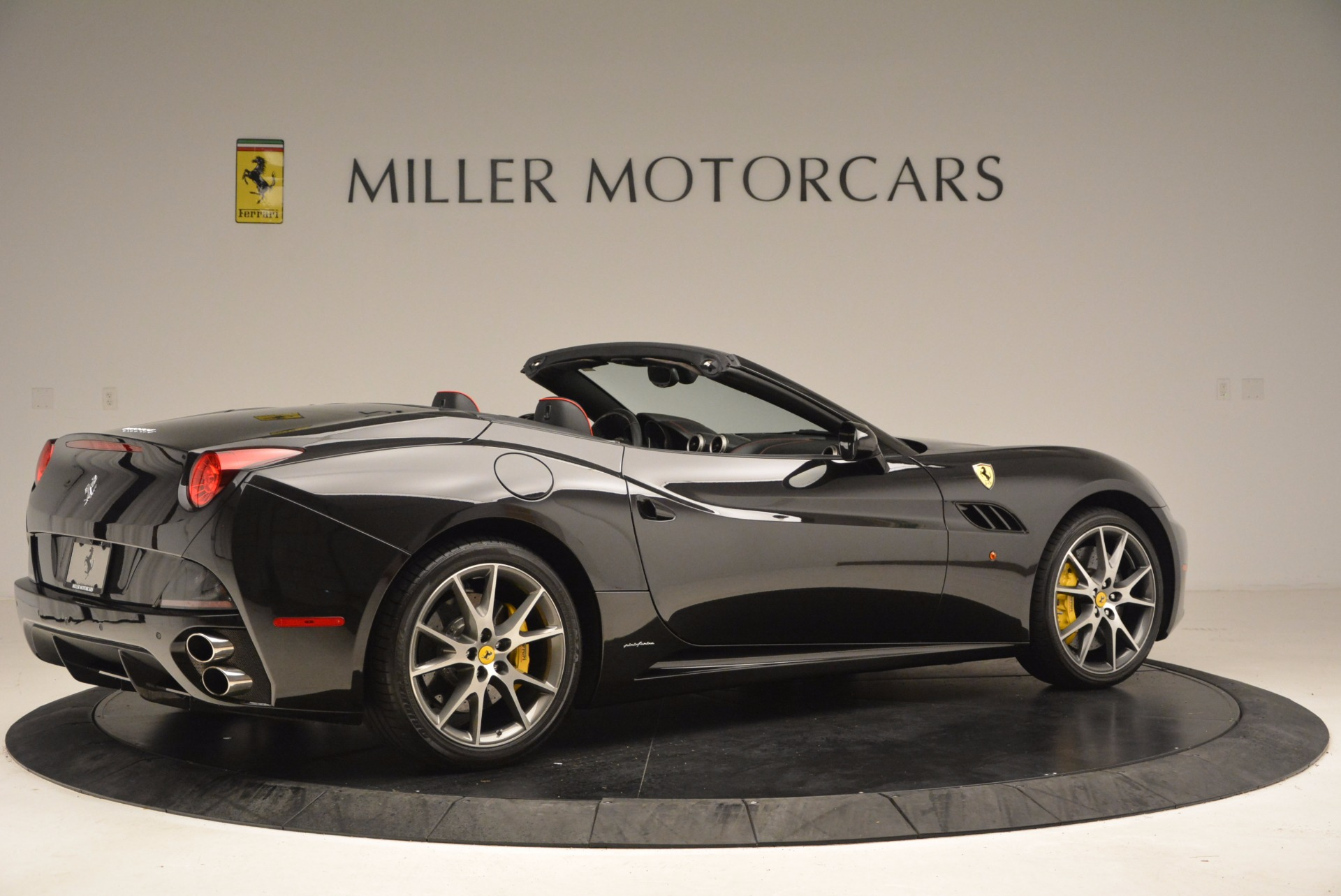 Used 2013 Ferrari California  For Sale In Greenwich, CT. Alfa Romeo of Greenwich, 4416 1603_p8