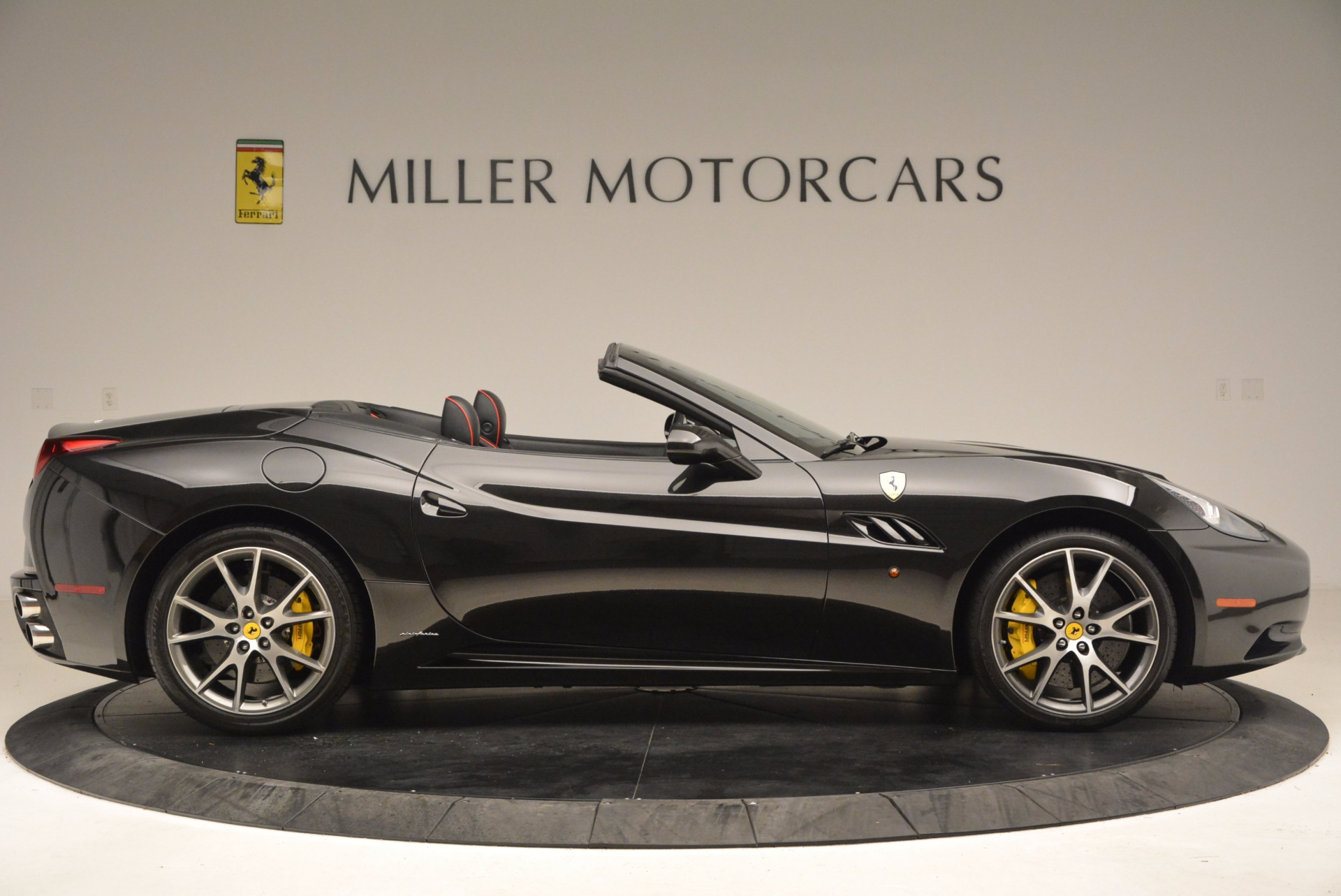 Used 2013 Ferrari California  For Sale In Greenwich, CT. Alfa Romeo of Greenwich, 4416 1603_p9