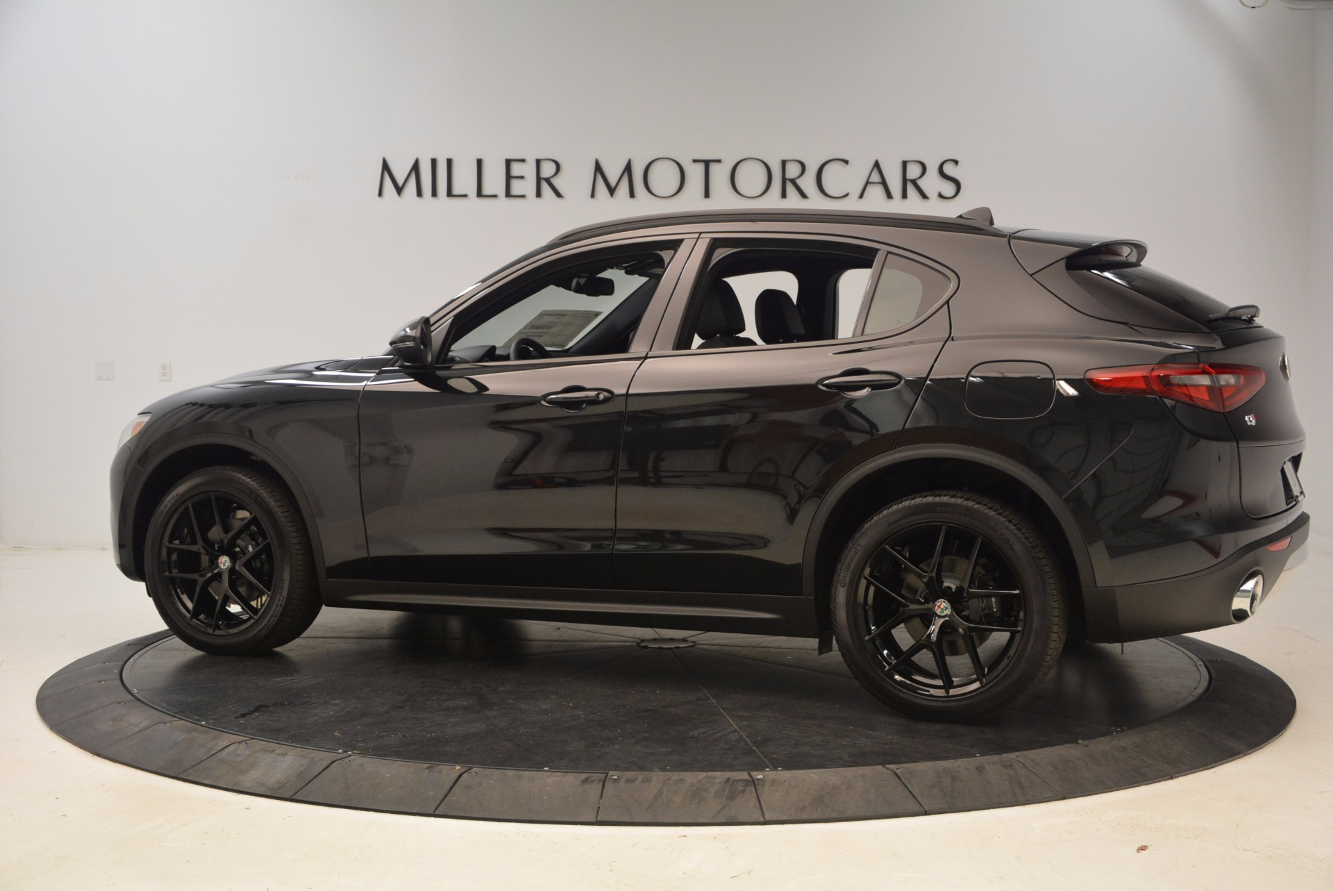 New 2018 Alfa Romeo Stelvio Ti Sport Q4 For Sale In Greenwich, CT. Alfa Romeo of Greenwich, LW085 1605_p4