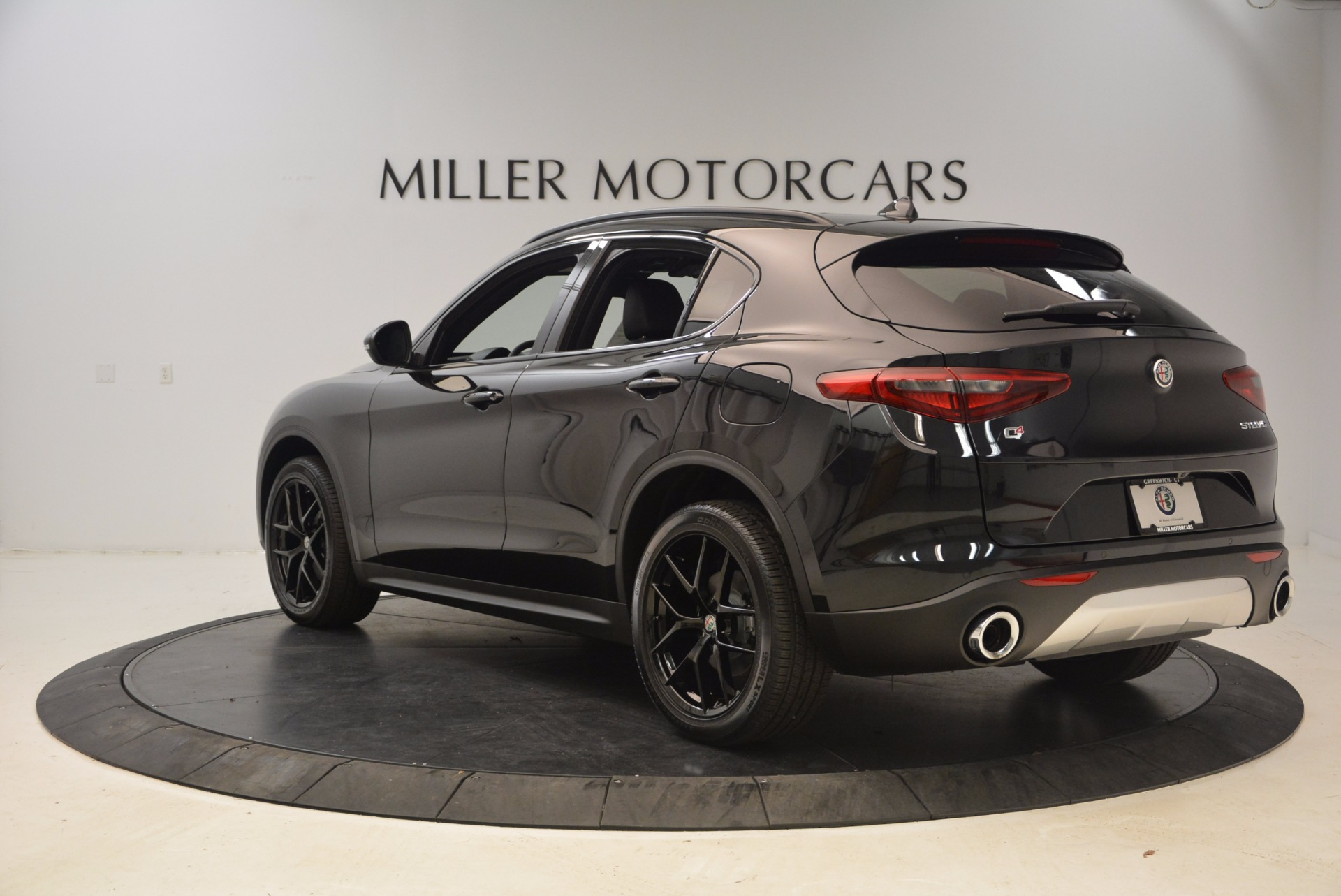 New 2018 Alfa Romeo Stelvio Ti Sport Q4 For Sale In Greenwich, CT. Alfa Romeo of Greenwich, LW085 1605_p5