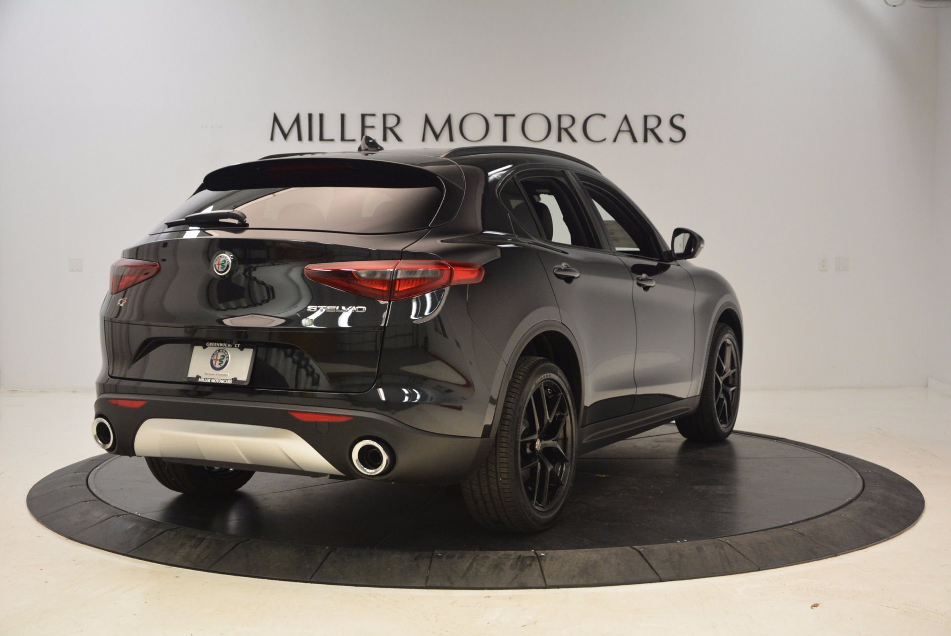New 2018 Alfa Romeo Stelvio Ti Sport Q4 For Sale In Greenwich, CT. Alfa Romeo of Greenwich, LW085 1605_p7