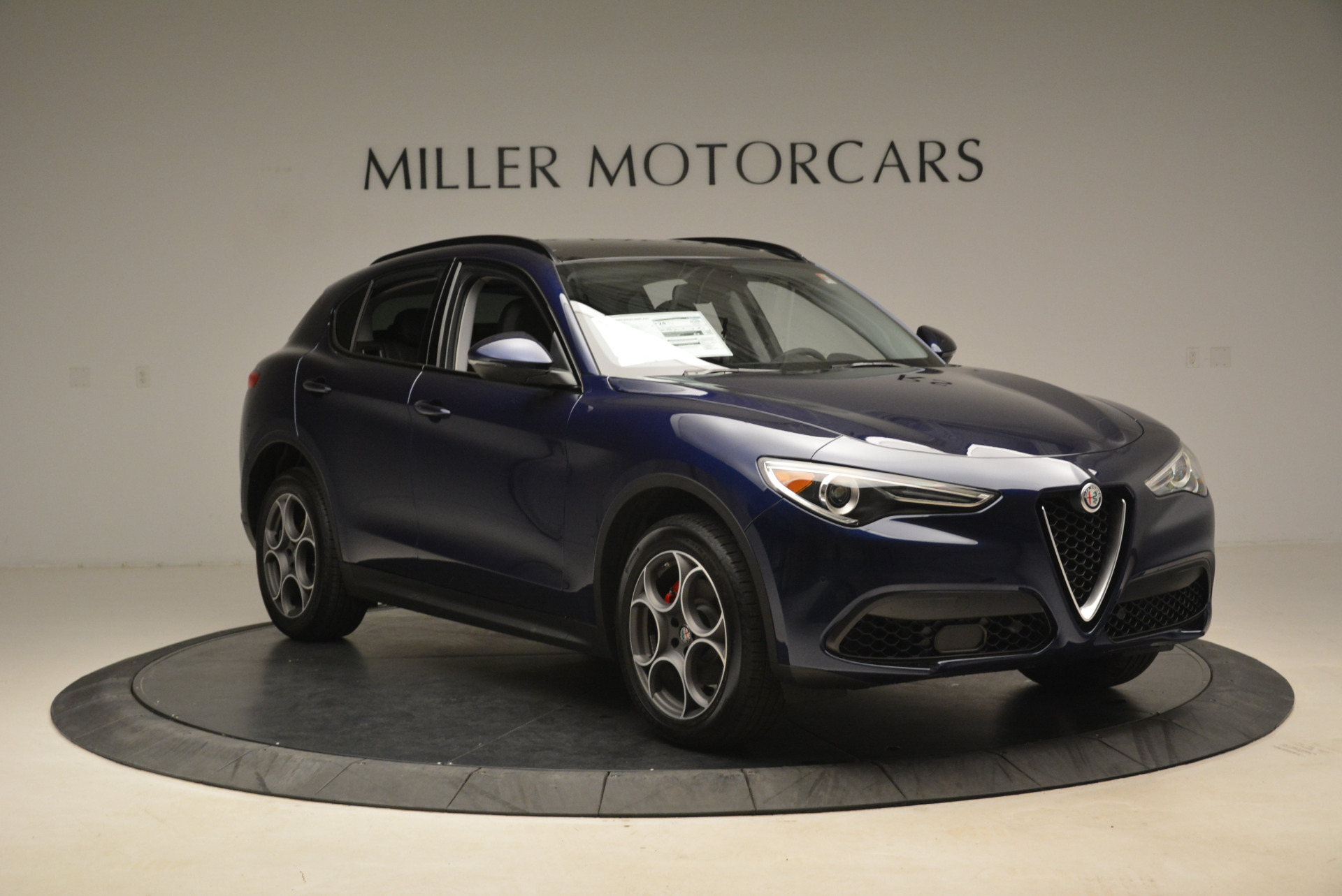 New 2018 Alfa Romeo Stelvio Sport Q4 For Sale In Greenwich, CT. Alfa Romeo of Greenwich, L230 1611_p11