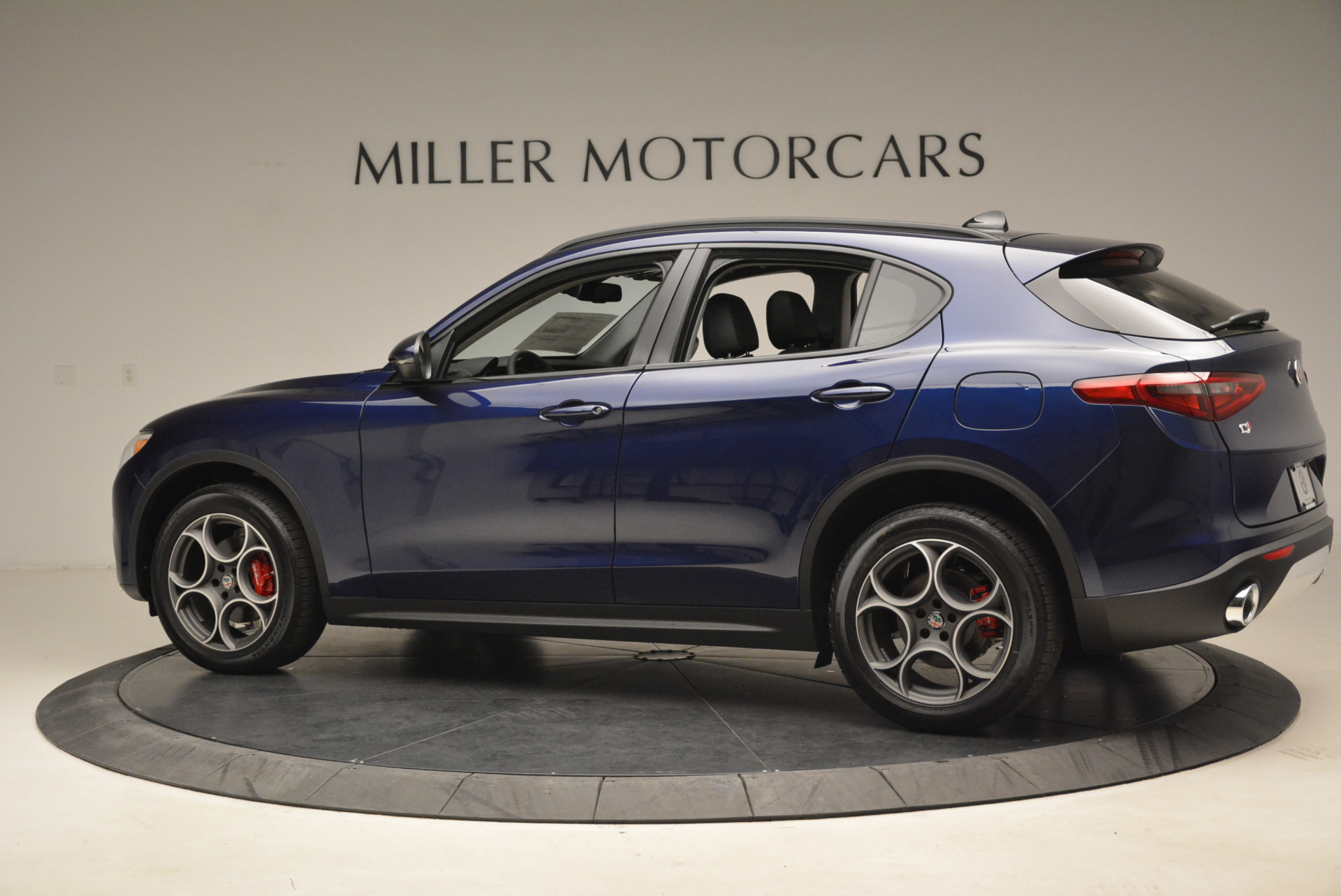New 2018 Alfa Romeo Stelvio Sport Q4 For Sale In Greenwich, CT. Alfa Romeo of Greenwich, L230 1611_p4
