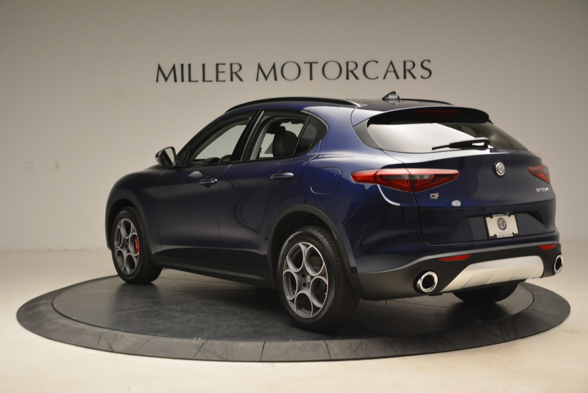 New 2018 Alfa Romeo Stelvio Sport Q4 For Sale In Greenwich, CT. Alfa Romeo of Greenwich, L230 1611_p5