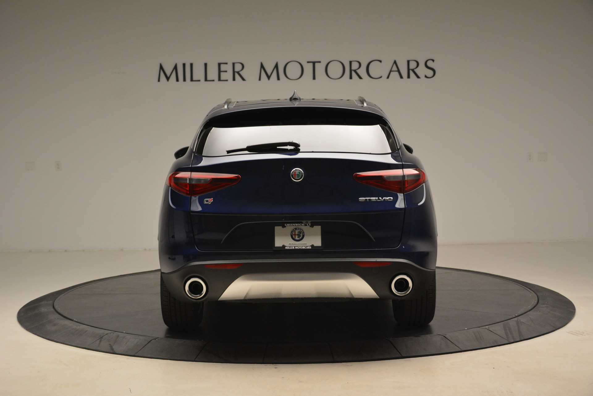 New 2018 Alfa Romeo Stelvio Sport Q4 For Sale In Greenwich, CT. Alfa Romeo of Greenwich, L230 1611_p6