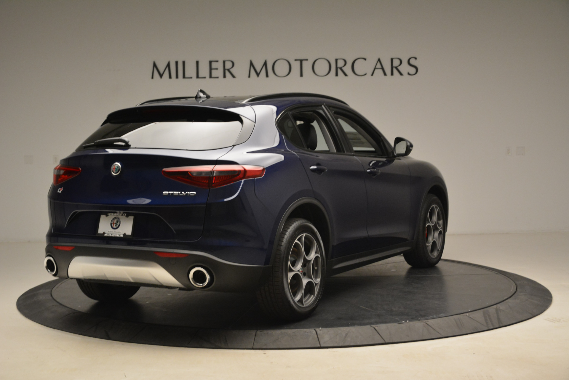 New 2018 Alfa Romeo Stelvio Sport Q4 For Sale In Greenwich, CT. Alfa Romeo of Greenwich, L230 1611_p7