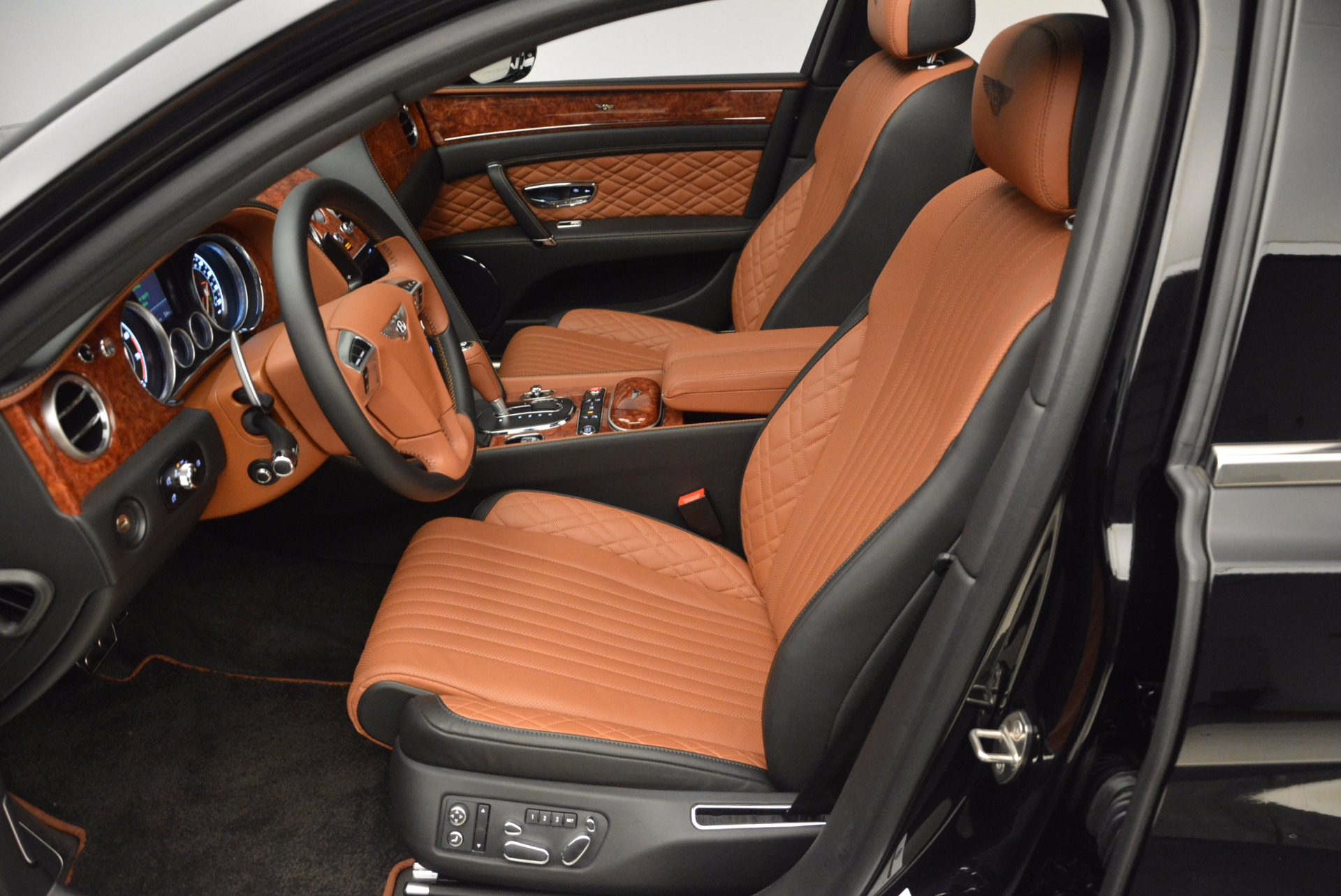 New 2017 Bentley Flying Spur W12 For Sale In Greenwich, CT. Alfa Romeo of Greenwich, B1304 1616_p25