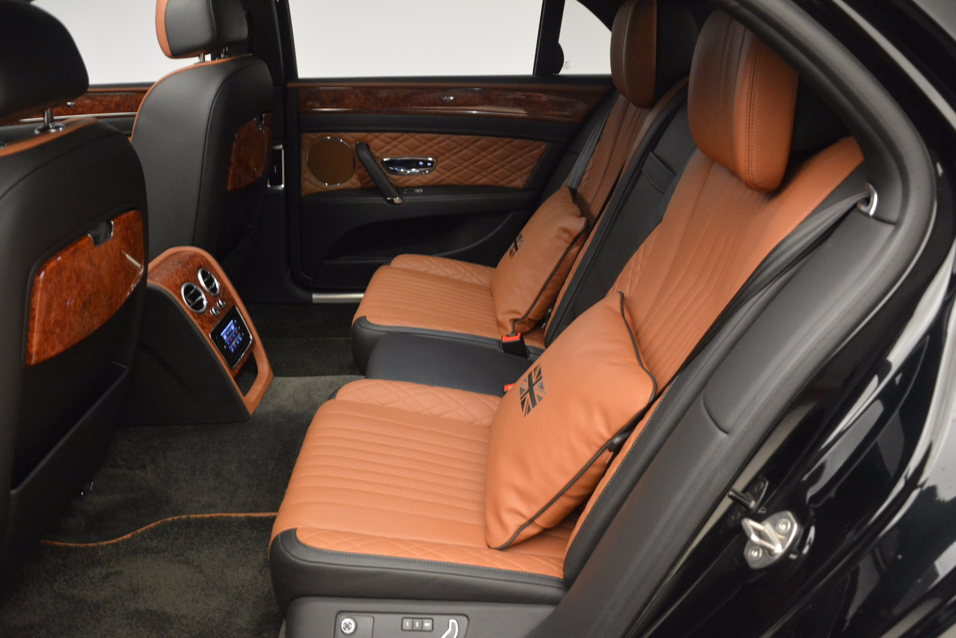 New 2017 Bentley Flying Spur W12 For Sale In Greenwich, CT. Alfa Romeo of Greenwich, B1304 1616_p30