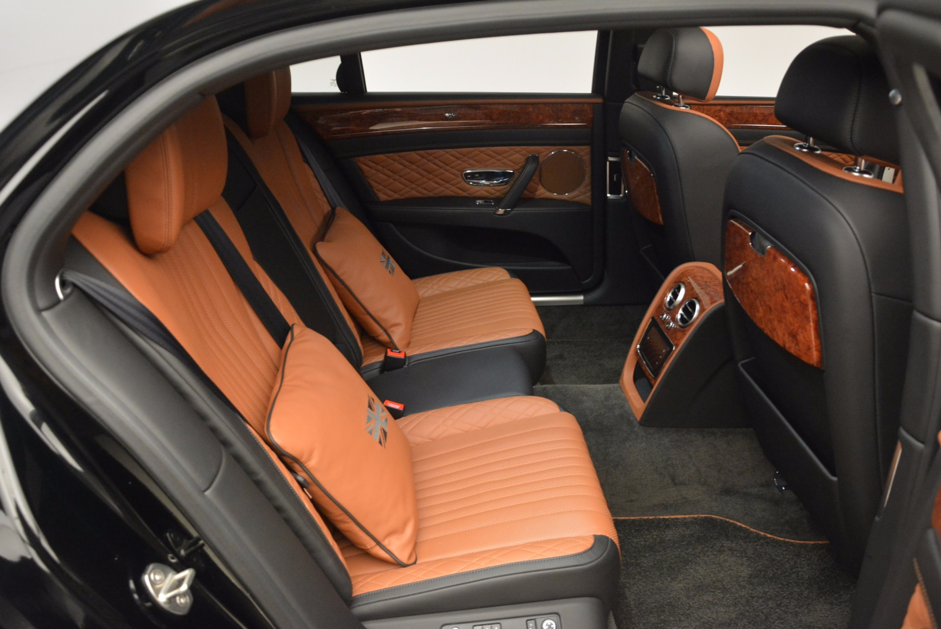 New 2017 Bentley Flying Spur W12 For Sale In Greenwich, CT. Alfa Romeo of Greenwich, B1304 1616_p41
