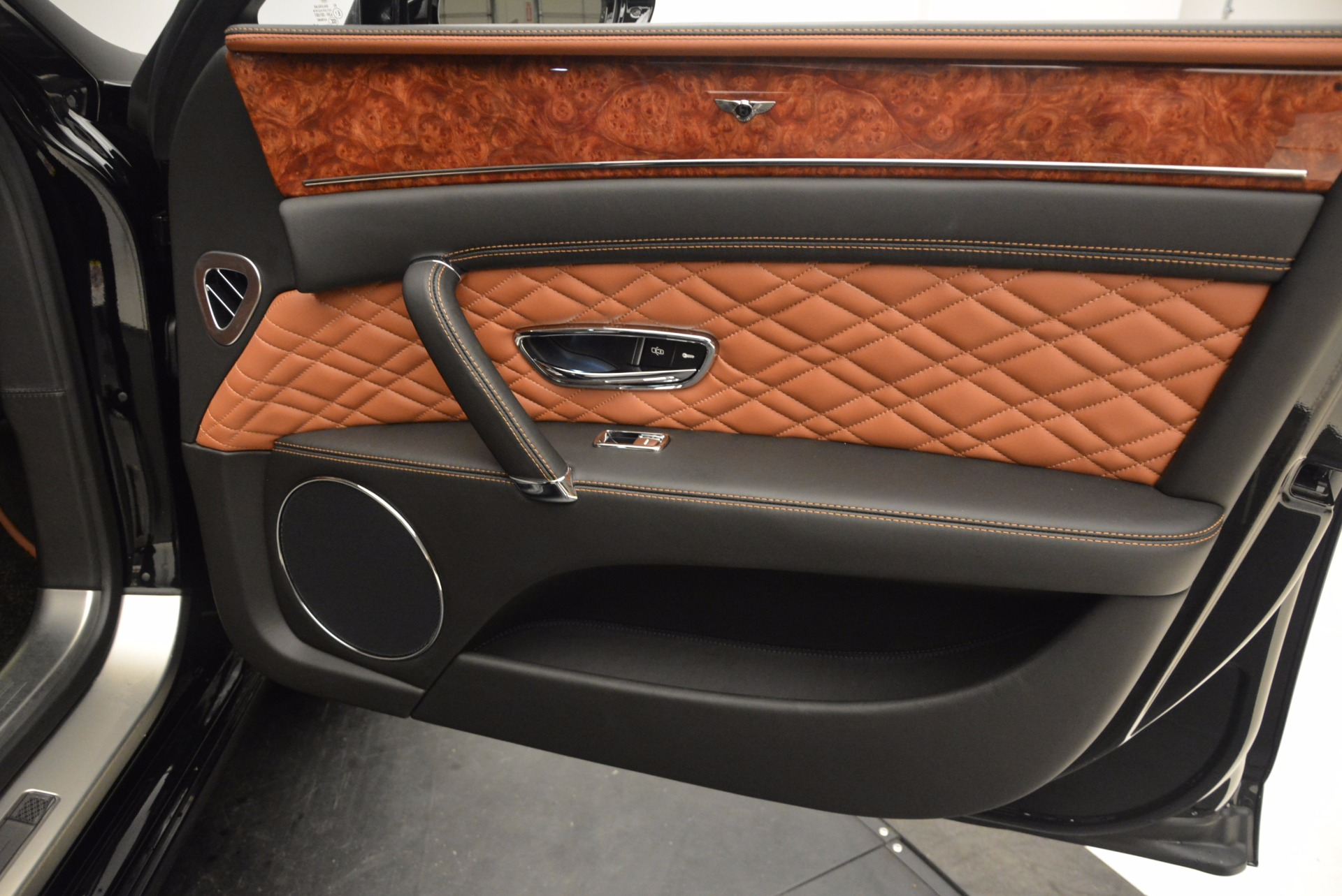 New 2017 Bentley Flying Spur W12 For Sale In Greenwich, CT. Alfa Romeo of Greenwich, B1304 1616_p43